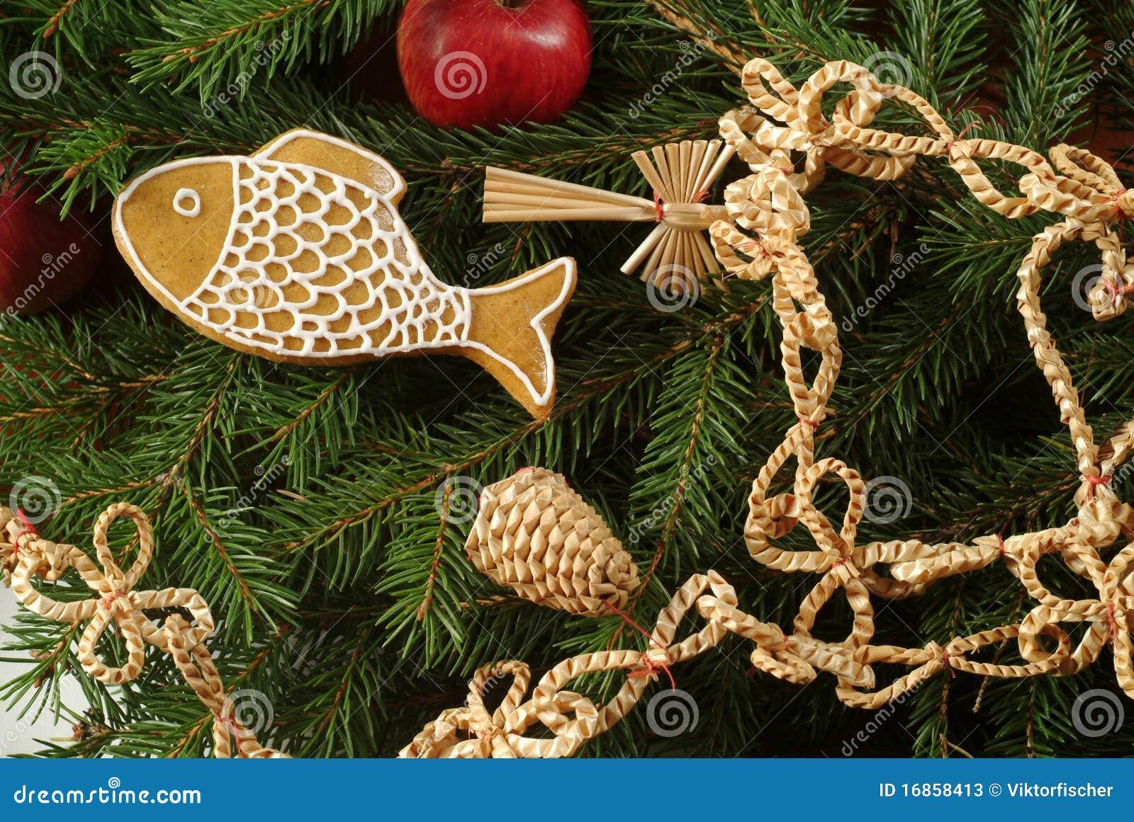 traditionelle weihnachtsdekoration stockfotos bild 16858413. Black Bedroom Furniture Sets. Home Design Ideas