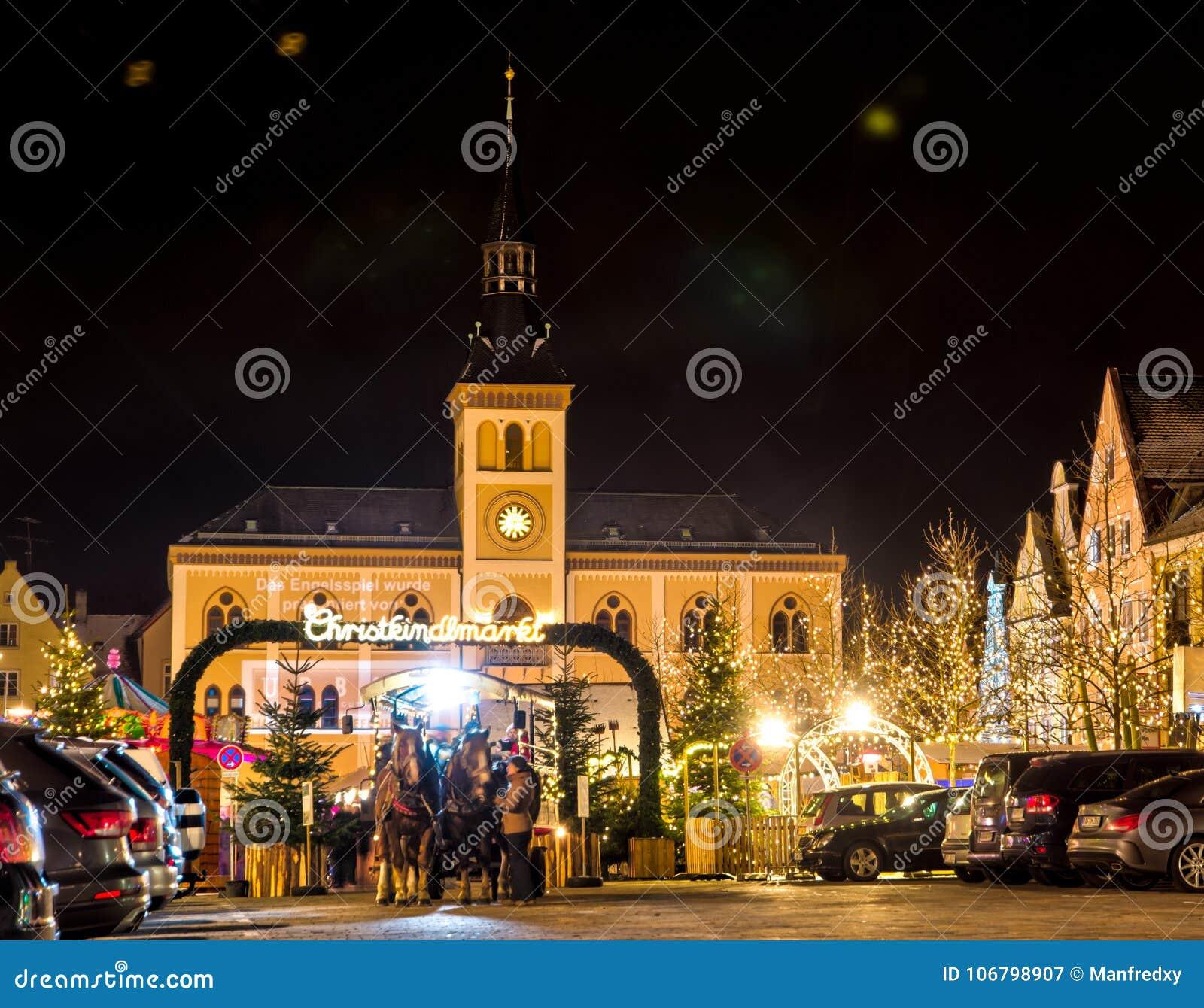 Traditioneller deutscher Weihnachtsmarkt in Pfaffenhofen