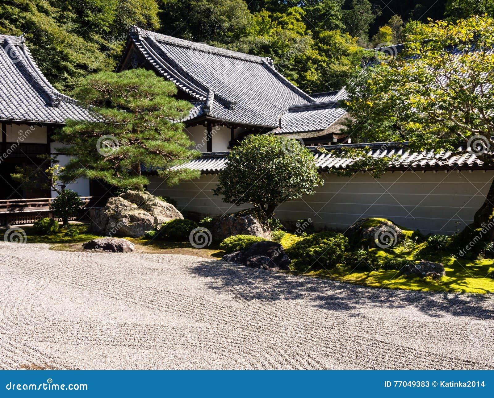 traditioneller japanischer steingarten stockbild bild 77049383. Black Bedroom Furniture Sets. Home Design Ideas