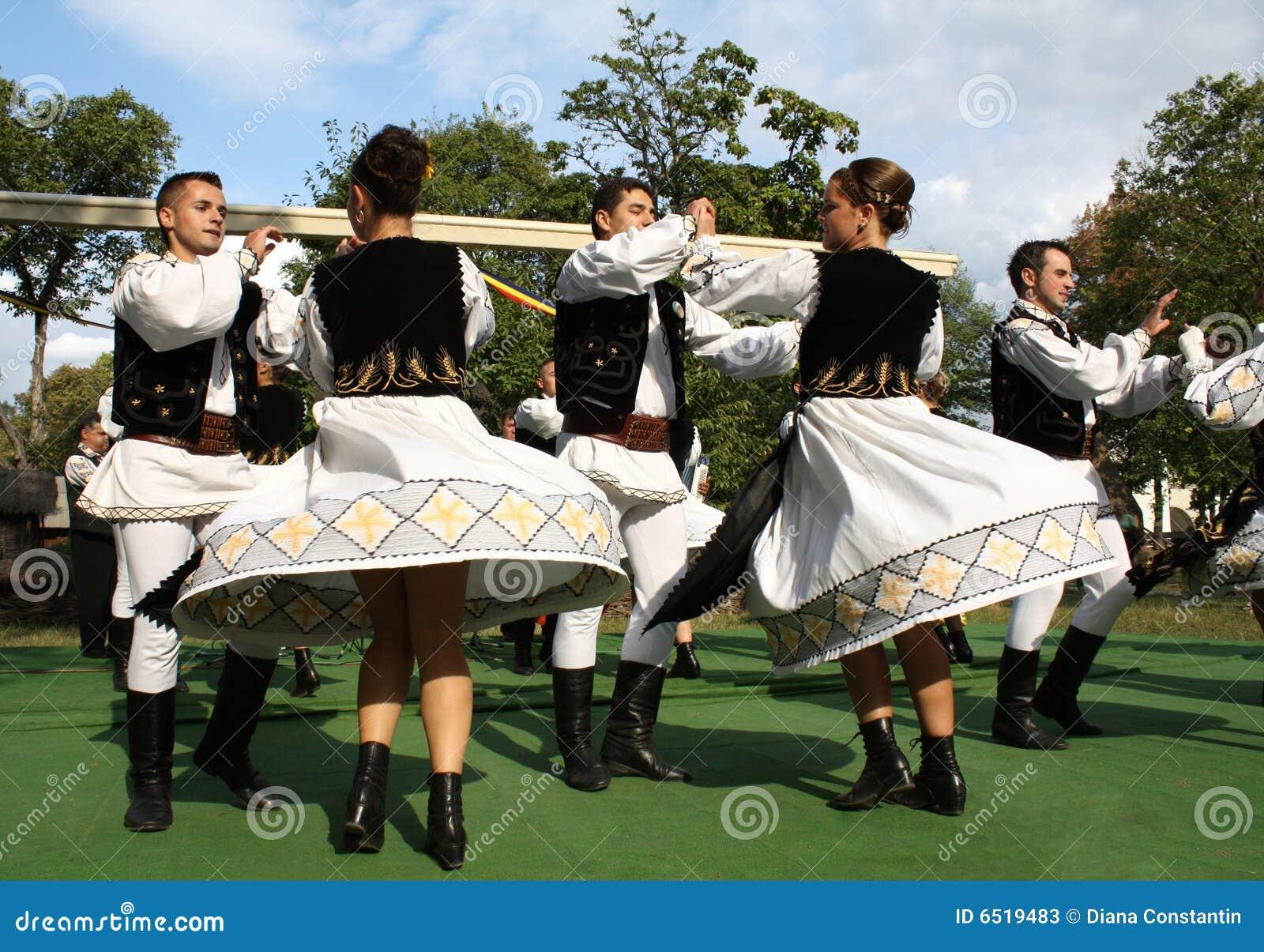 Traditioneller rumänischer Tanz