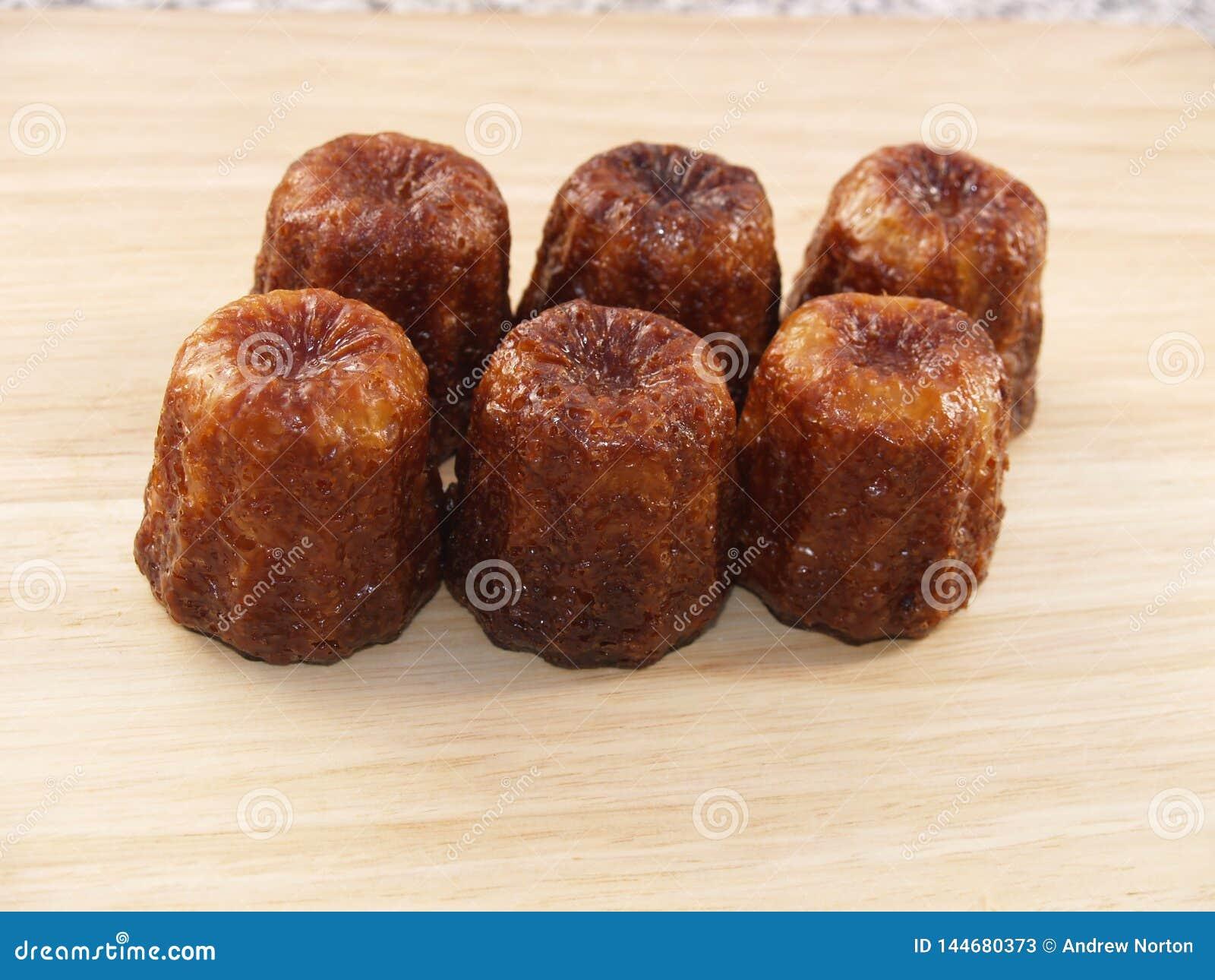 Traditionelles französisches Kuchen canelé