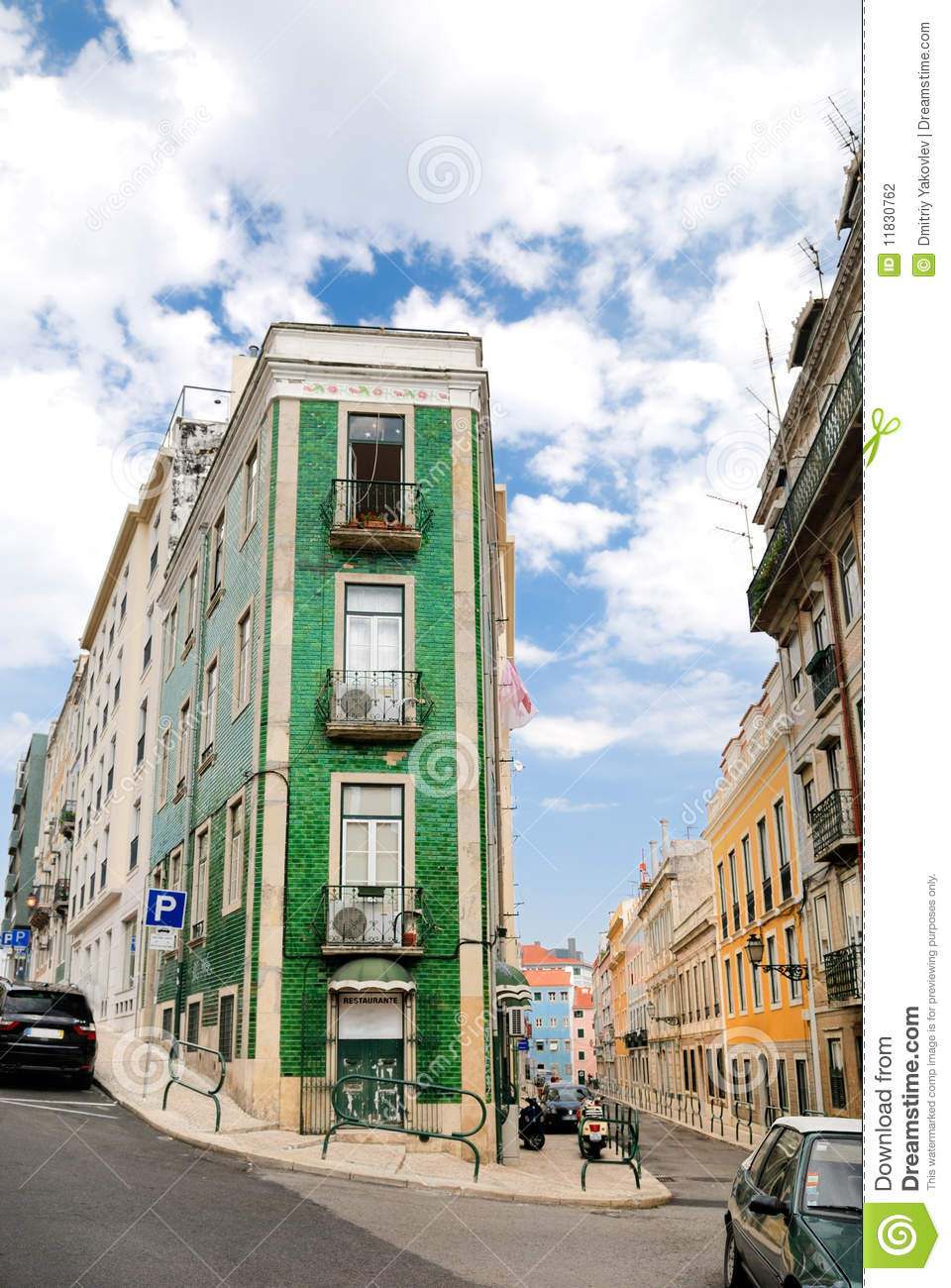 Traditionelles haus in lissabon stockfotografie bild for Traditionelles haus