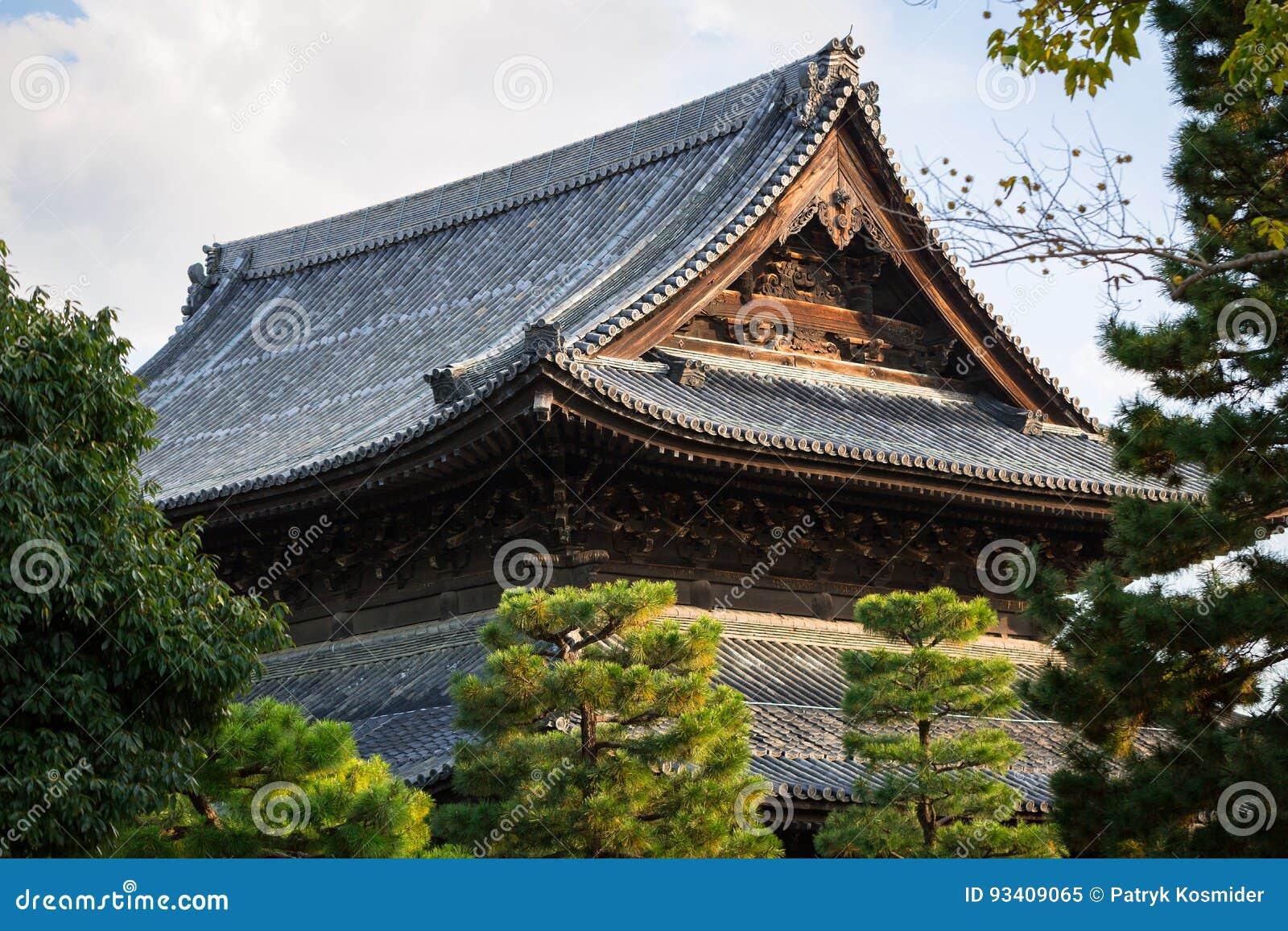 traditionelles japanisches dach stockbild bild 93409065