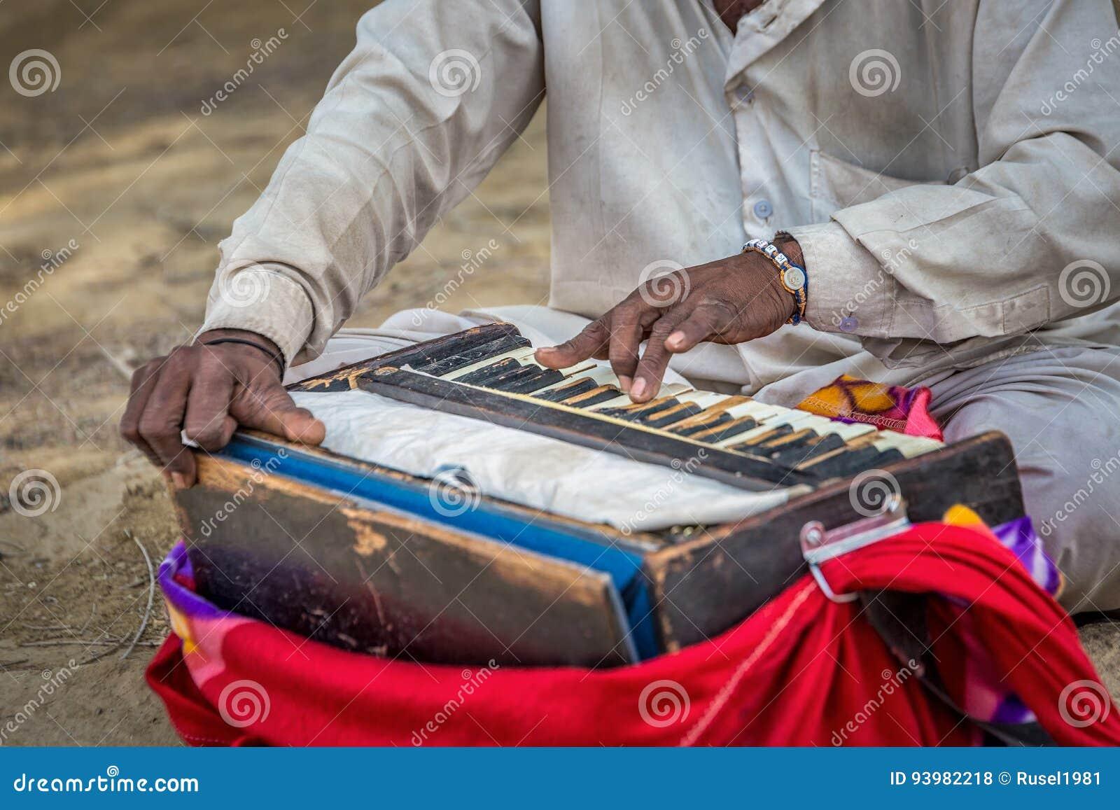Traditionelles musikalisches Harmonium