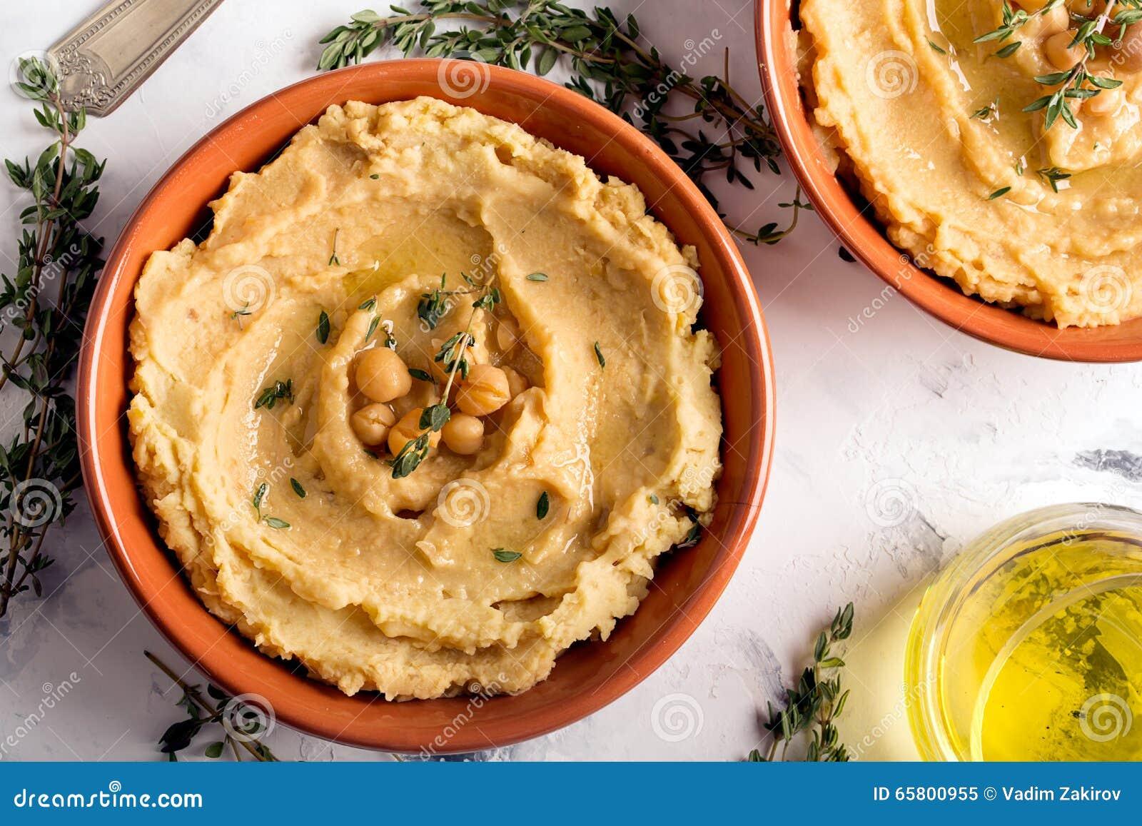 Traditionelles orientalisches hummus