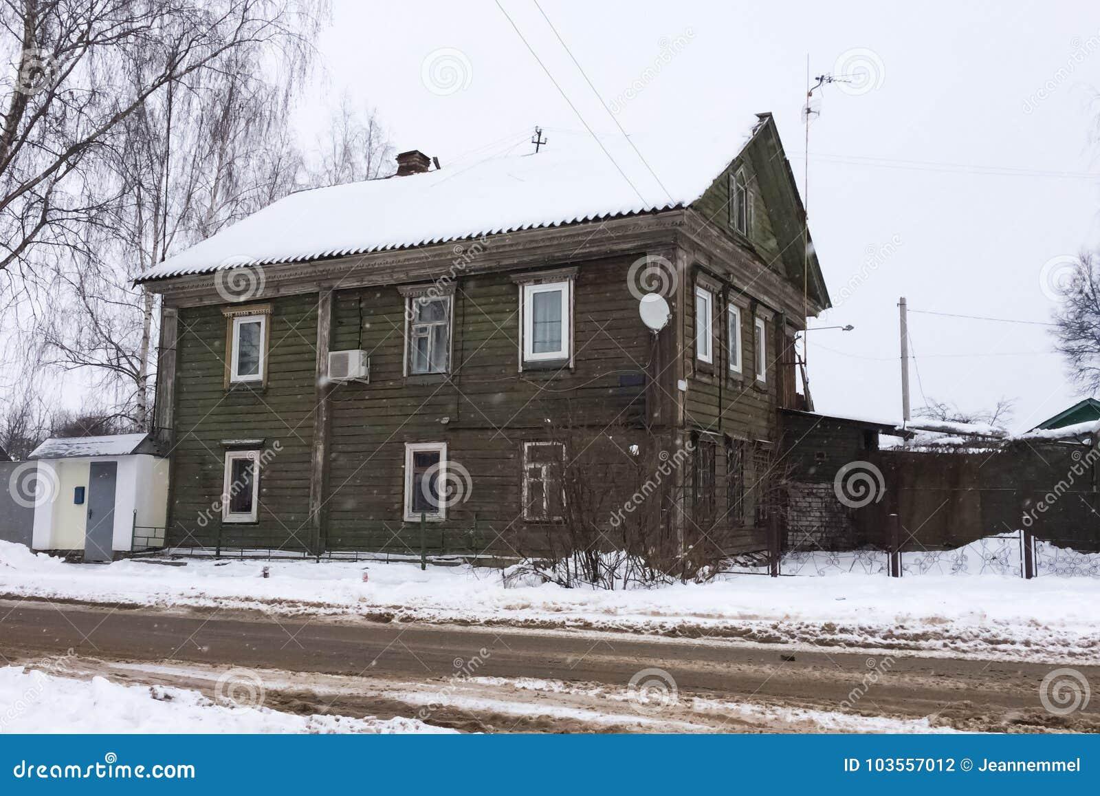 Anspruchsvoll Russisches Holzhaus Ideen Von Pattern Traditionelles Im Winter Stockfoto - Bild