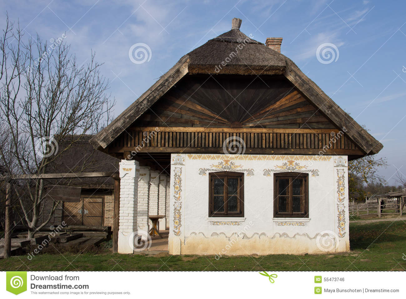 Traditionelles ungarisches haus stockfoto image 55473746 for Haus dekorationen