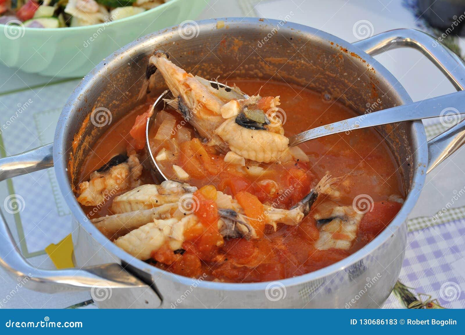 Tradycyjna Chorwacji Ryby Polewka Z Grdobina Rybą Obraz