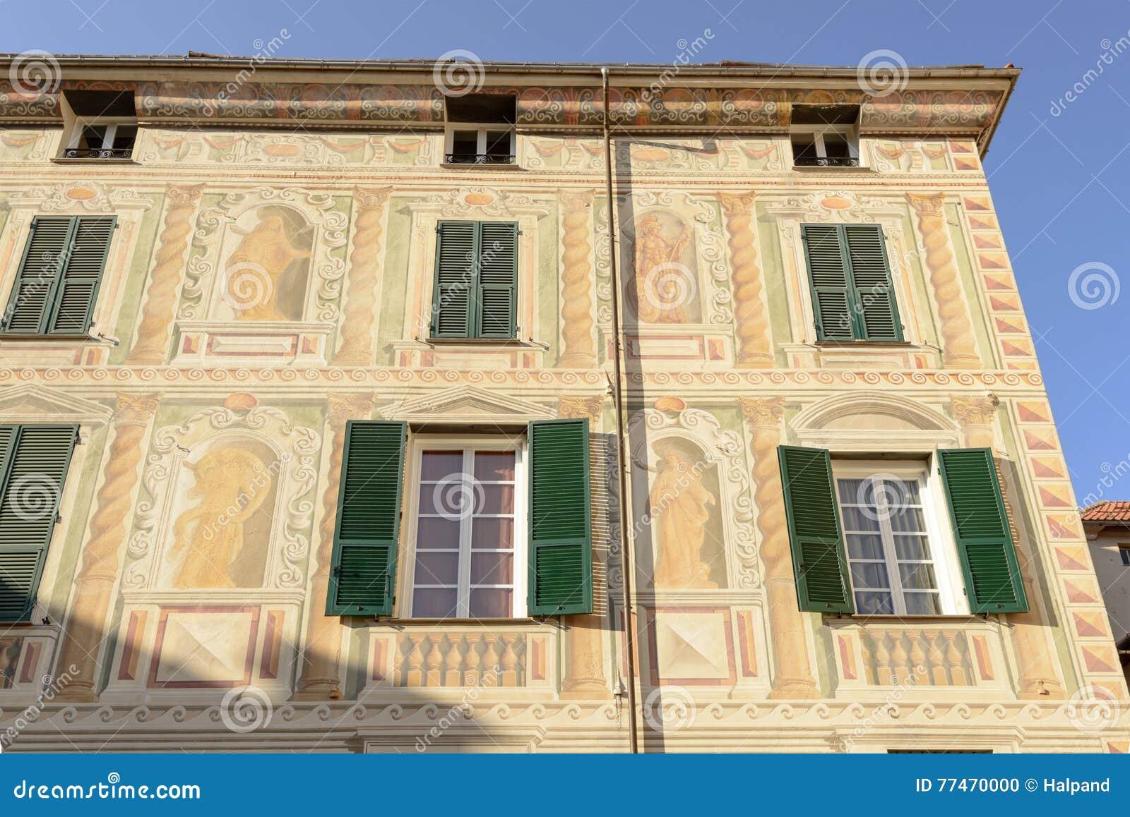 Tradycyjna malująca fasada, Campo Ligure, Włochy