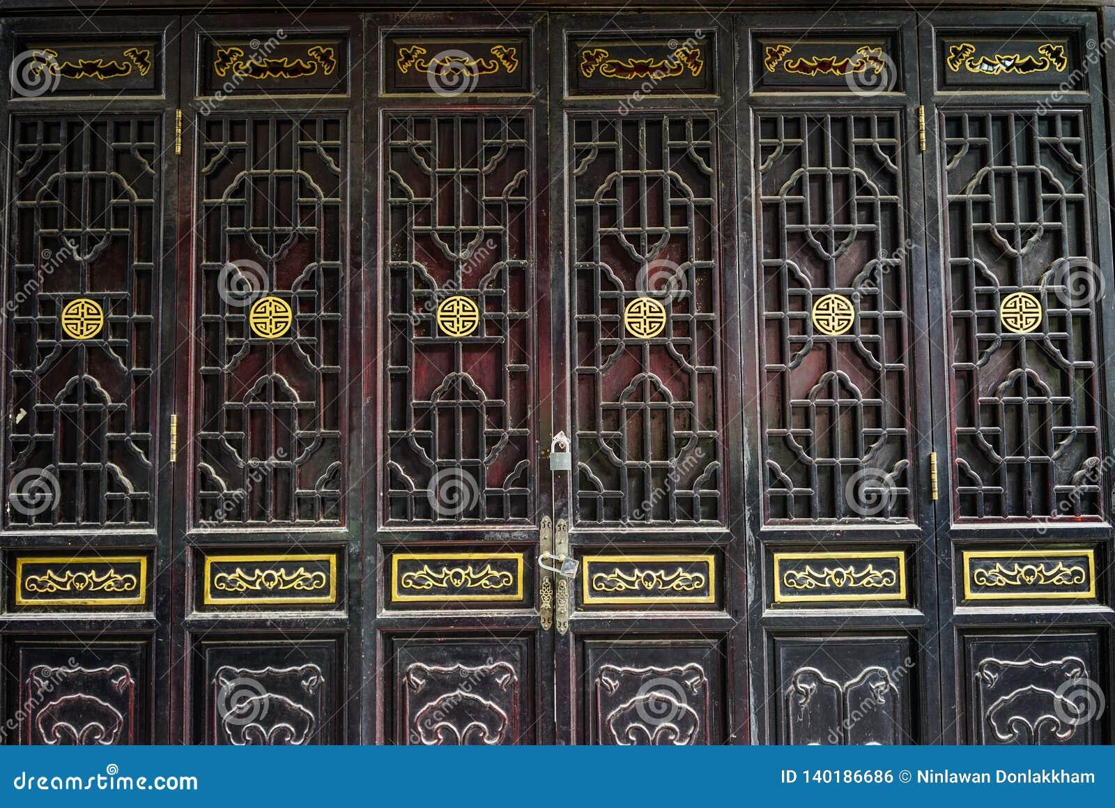 Tradycyjni Chińskie stylowy drewniany drzwi