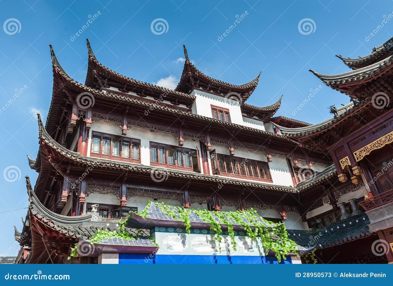 Tradycyjni Chińskie dom z pięknymi rzeźbiącymi dachami w Shangha