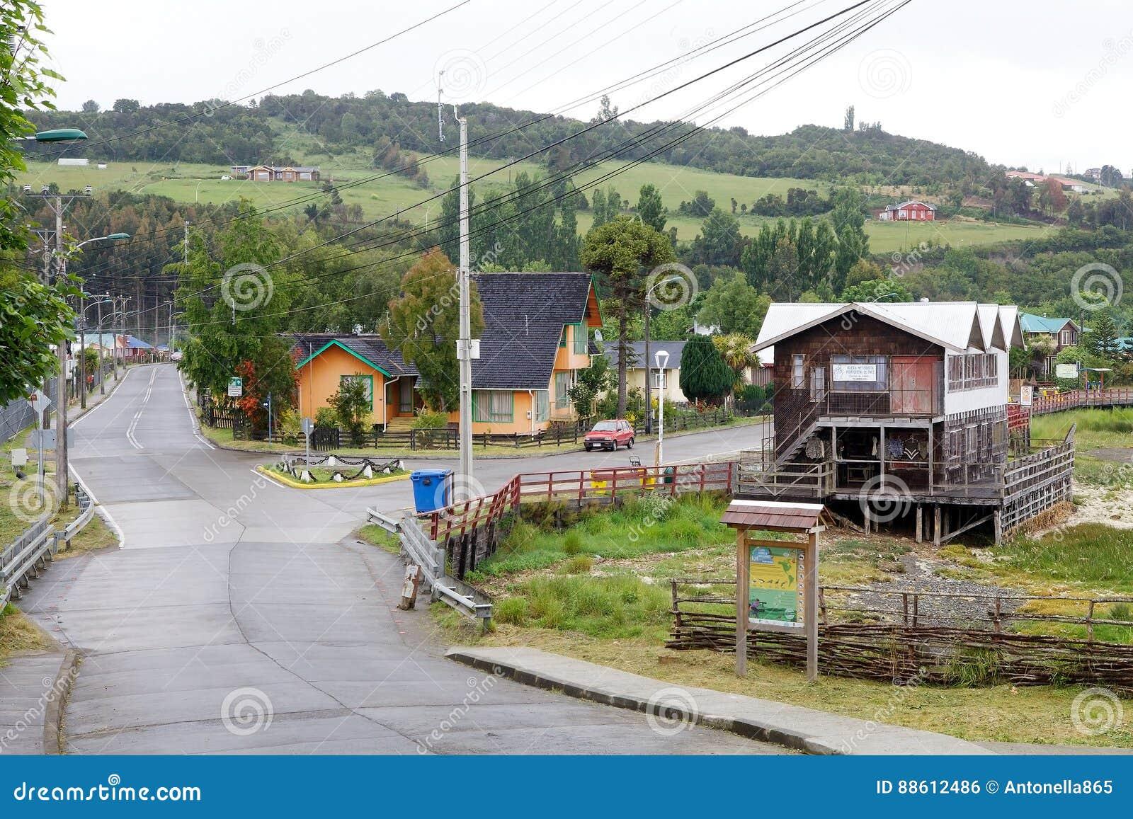 Tradycyjni domy przy Curaco De Velez, Chile