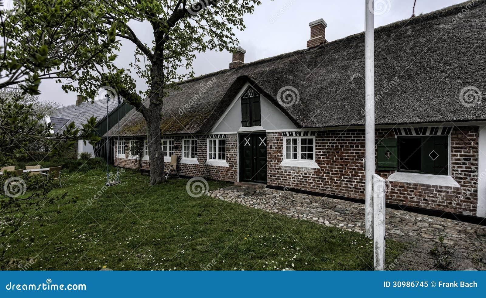 Tradycyjny dom w Sonderho na Duńskiej wyspie Fano