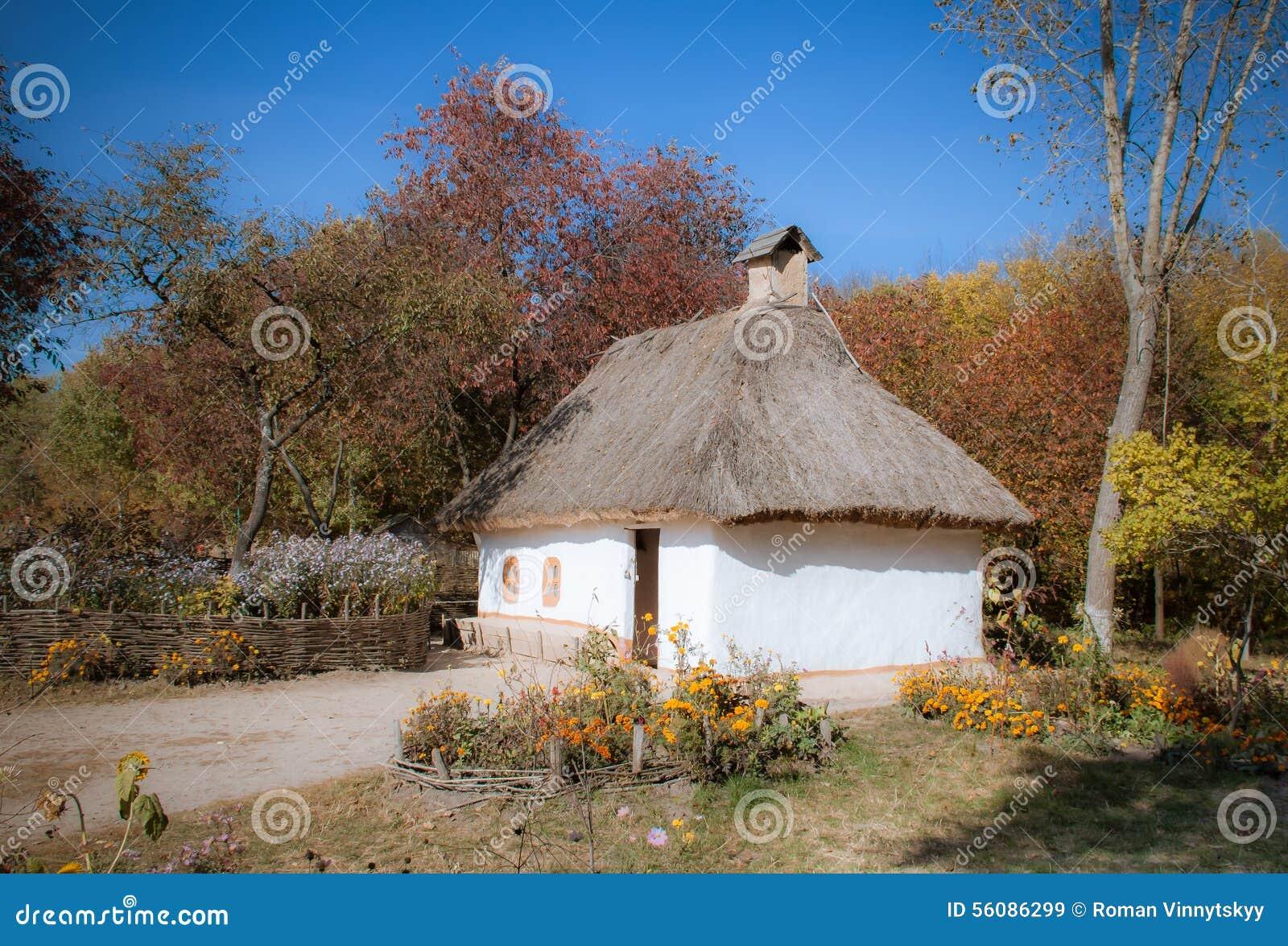 Tradycyjny Ukraiński Wiejski dom W Parkowym Pirogovo, Kijów, Ukraina