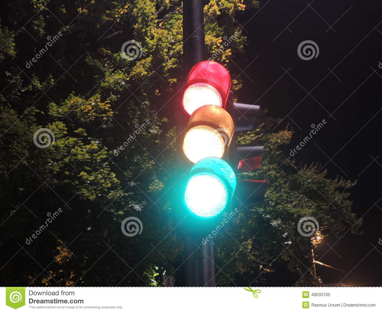 Traffic Light At Night-time Showing Red, Yellow, And Green Stock ... for Real Traffic Light Night  588gtk
