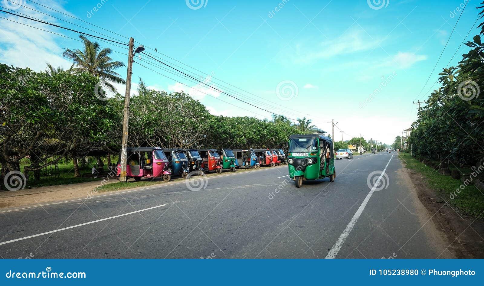 Free Images : landscape, tree, highway, mountain range, asphalt, autumn, lane, road trip