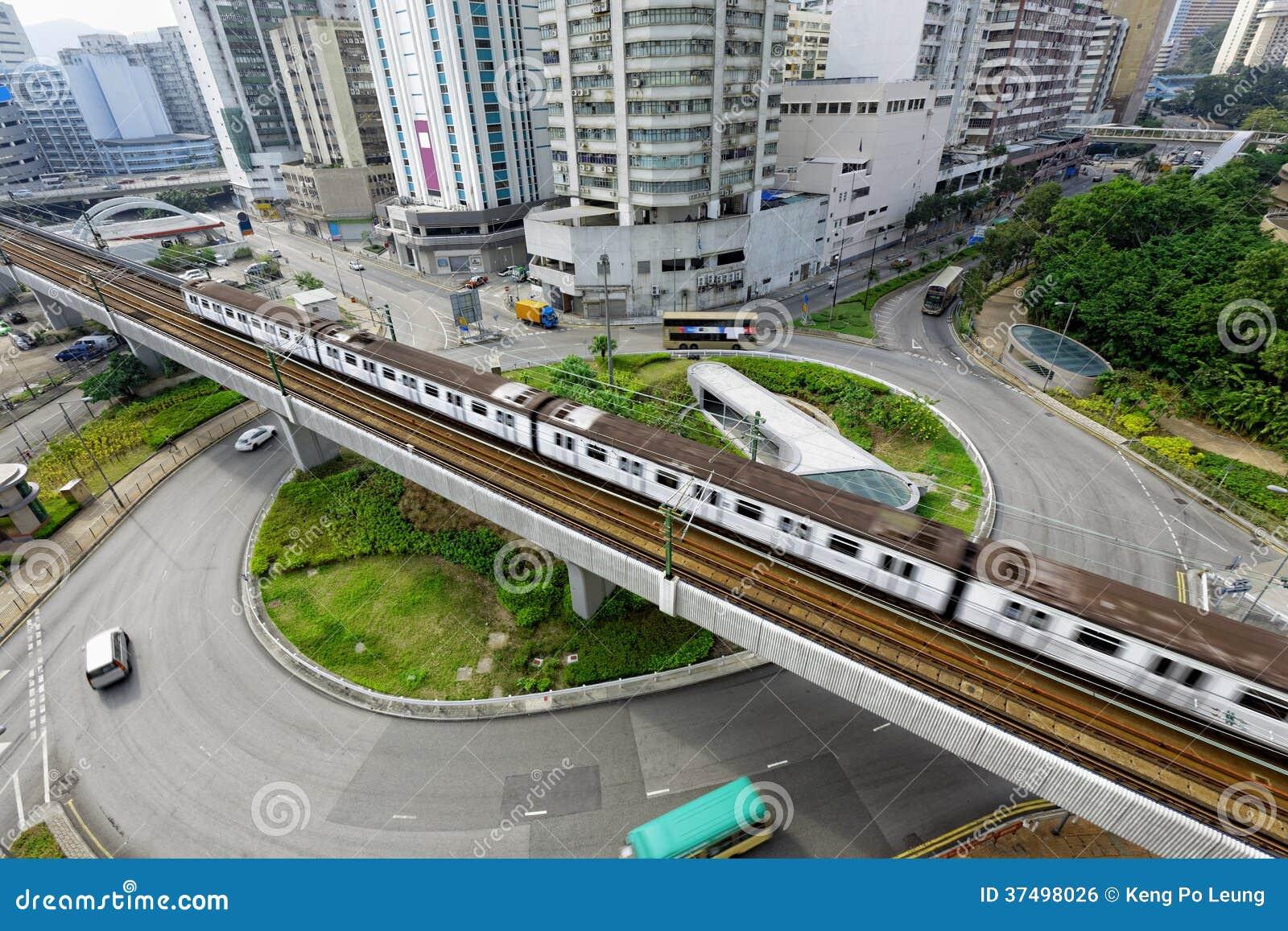 Traffico del treno e della rotonda