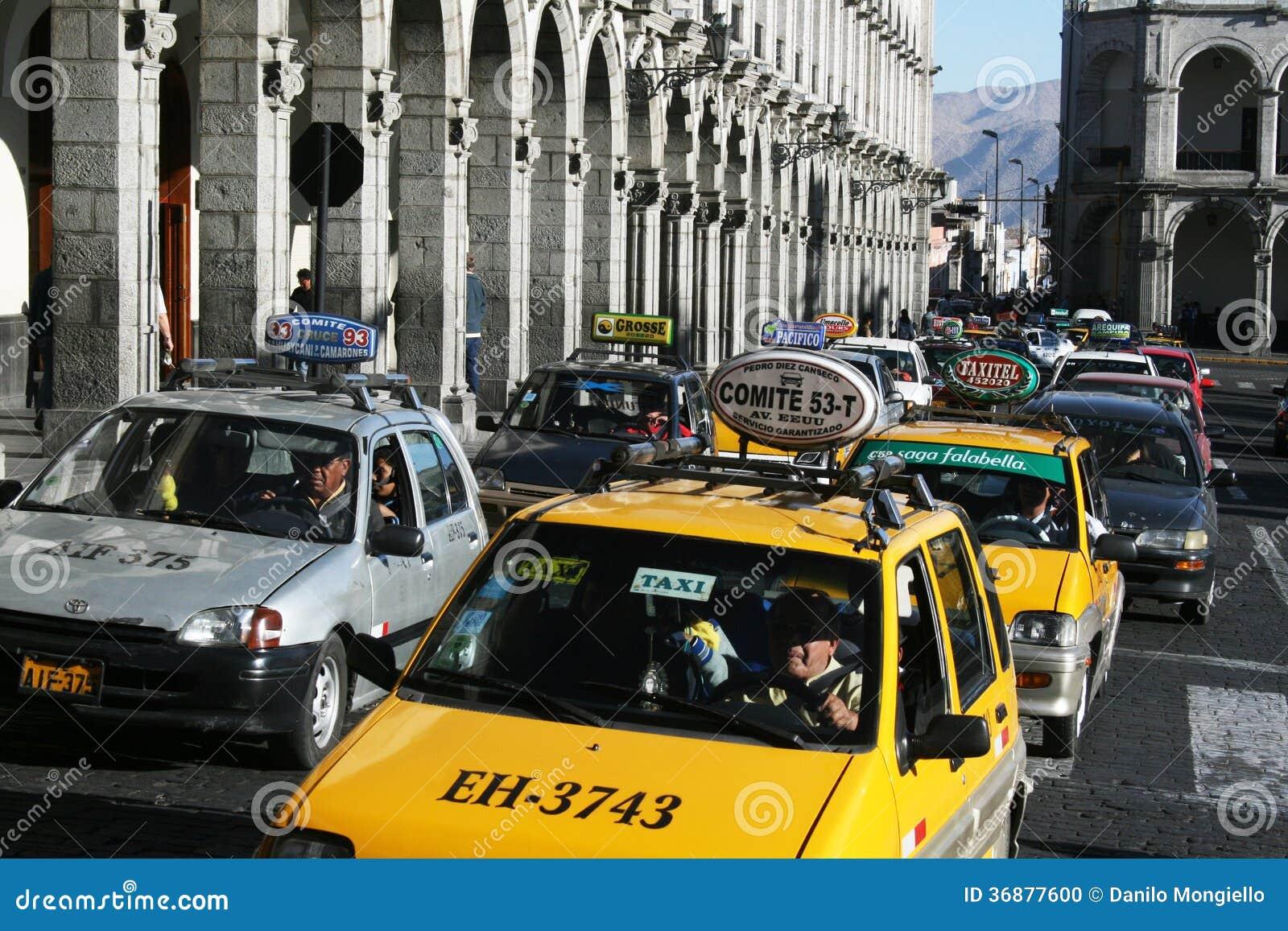 Download Traffico di Arequipa immagine editoriale. Immagine di america - 36877600