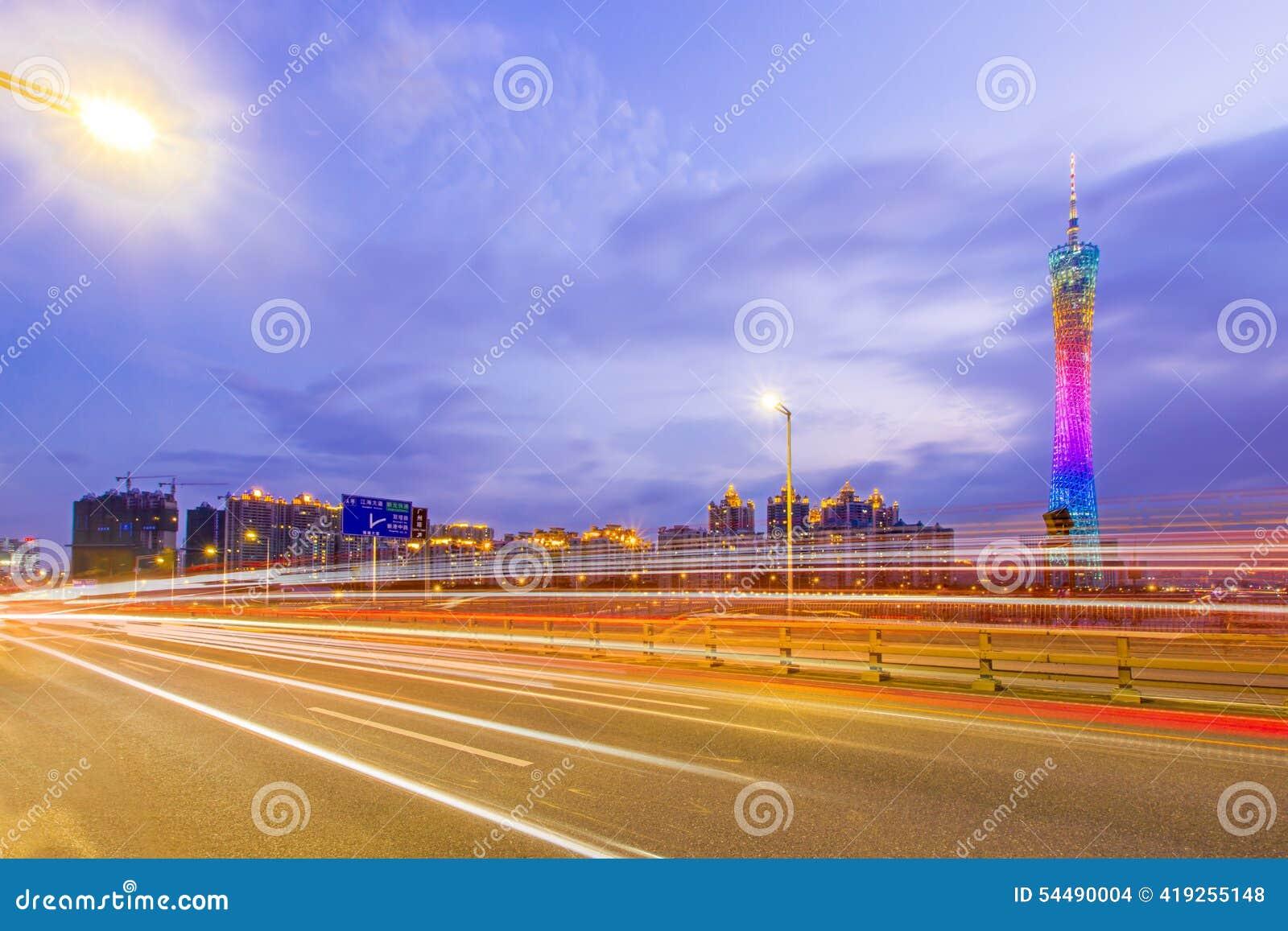 Traffico urbano alla notte