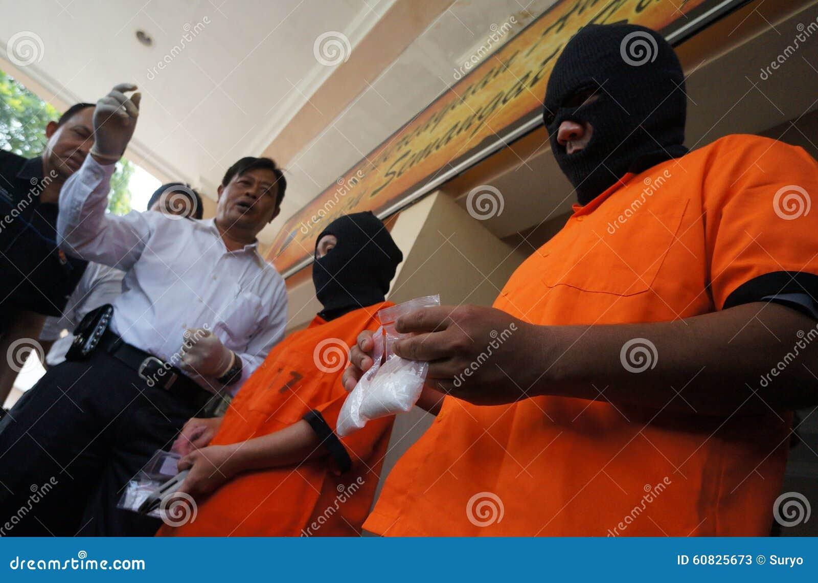 Traficante arrestado policía