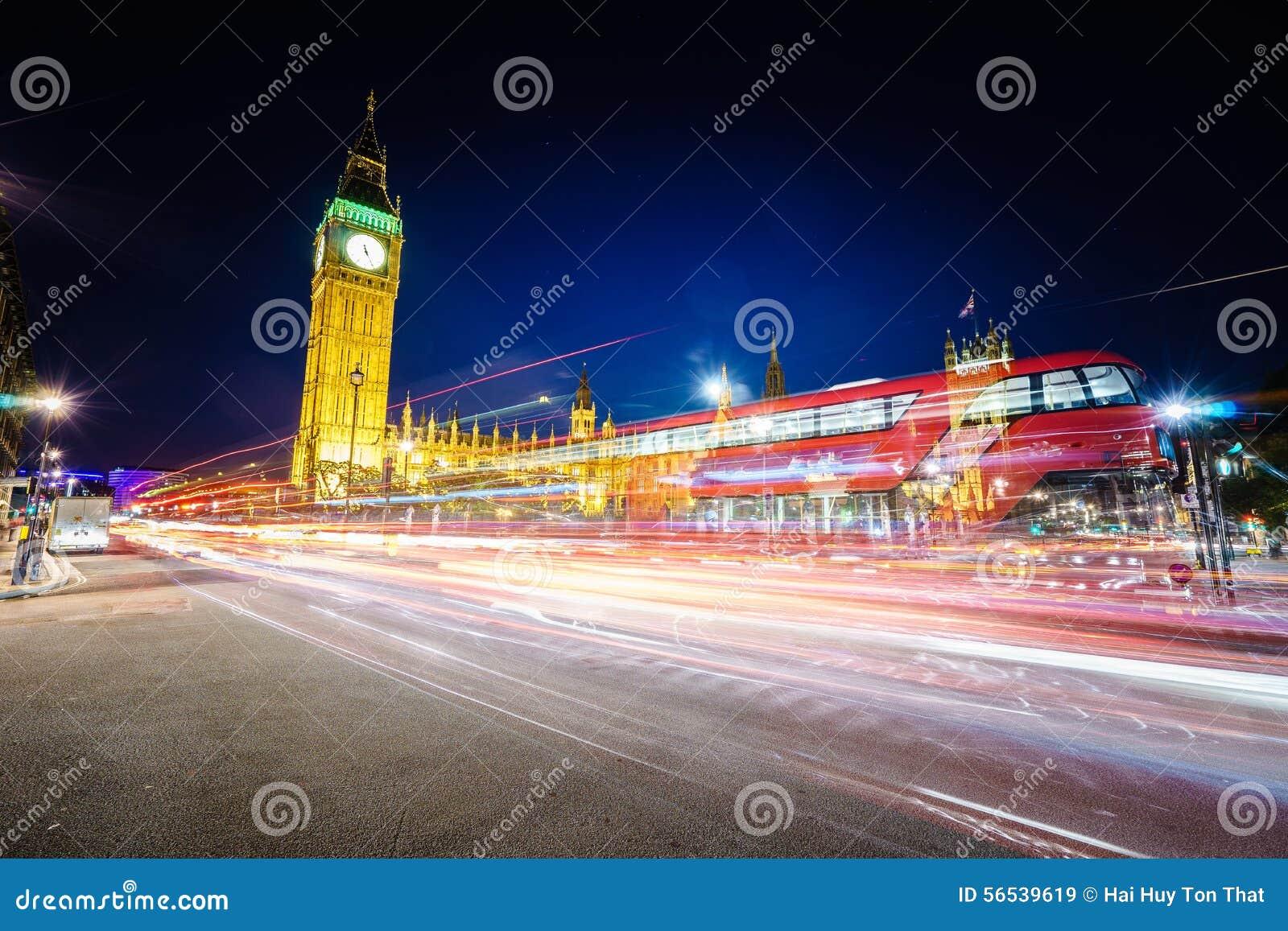Trafik på natten i London