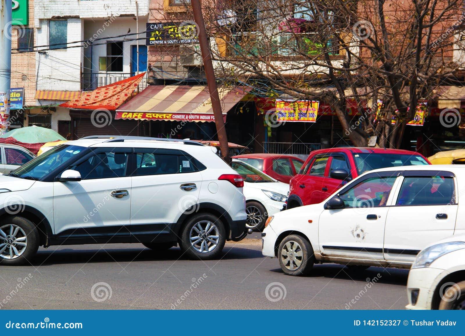 Trafik på U-vänd i Delhi