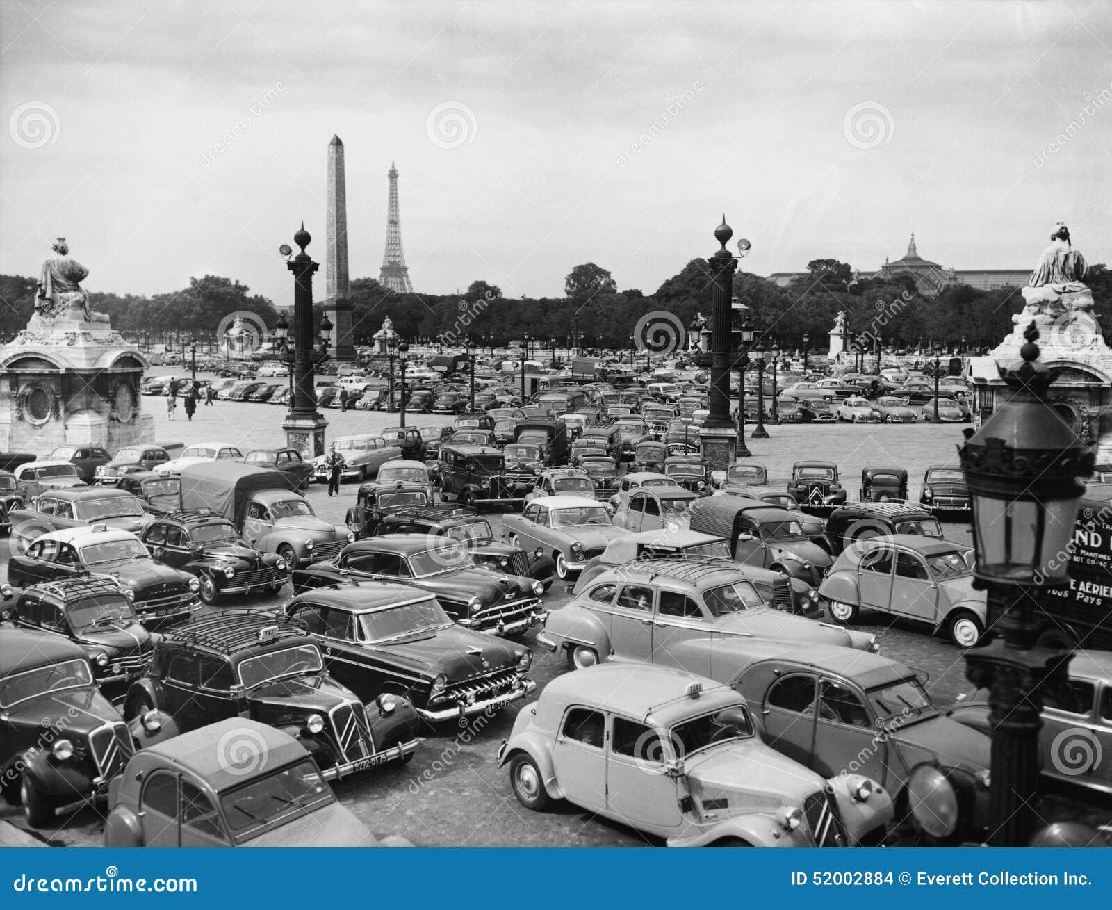 Trafikstockning i Paris Frankrike (alla visade personer inte är längre uppehälle, och inget gods finns Leverantörgarantier att de