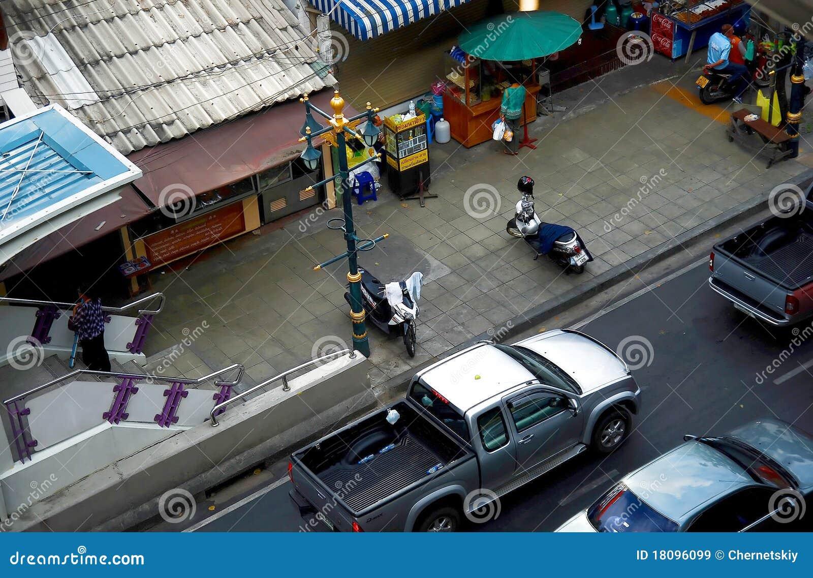Trafique en las calles de Bangkok