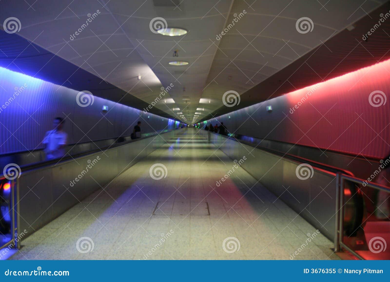 Download Traforo immagine stock. Immagine di moderno, neon, luce - 3676355