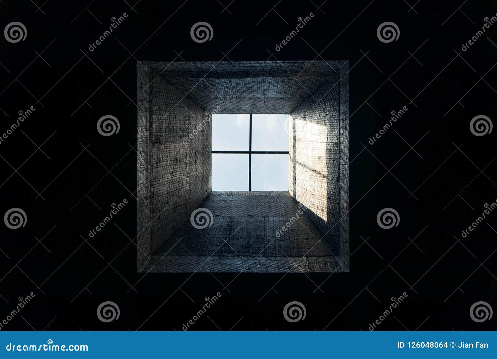 Tragaluz En Un Cuarto Oscuro Foto de archivo - Imagen de techo, casa ...