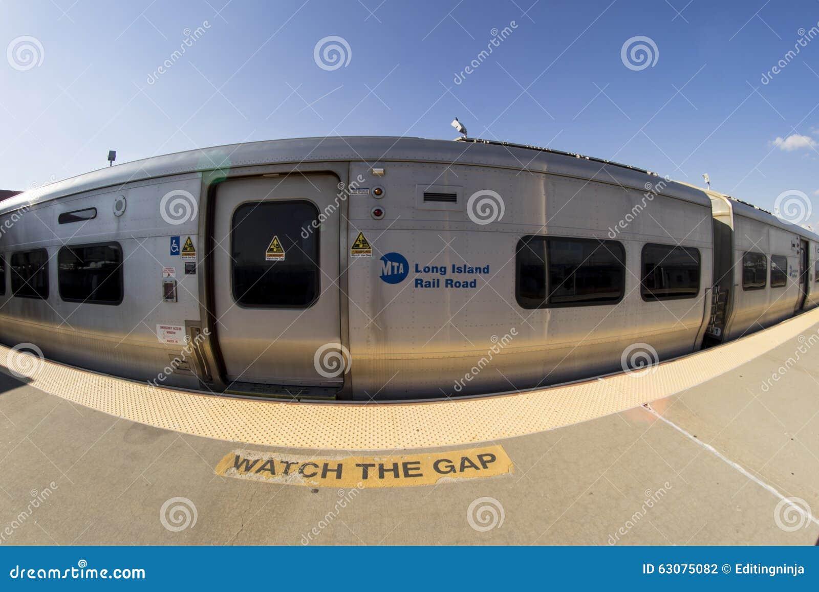 Download Train de Long Beach LIRR photographie éditorial. Image du york - 63075082