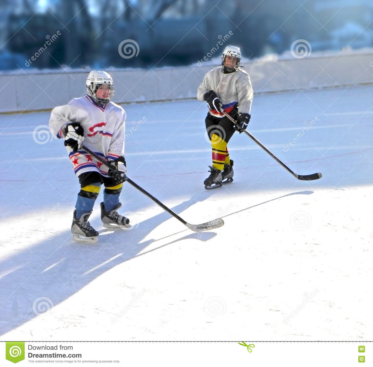 Training boys hockey players in the form on