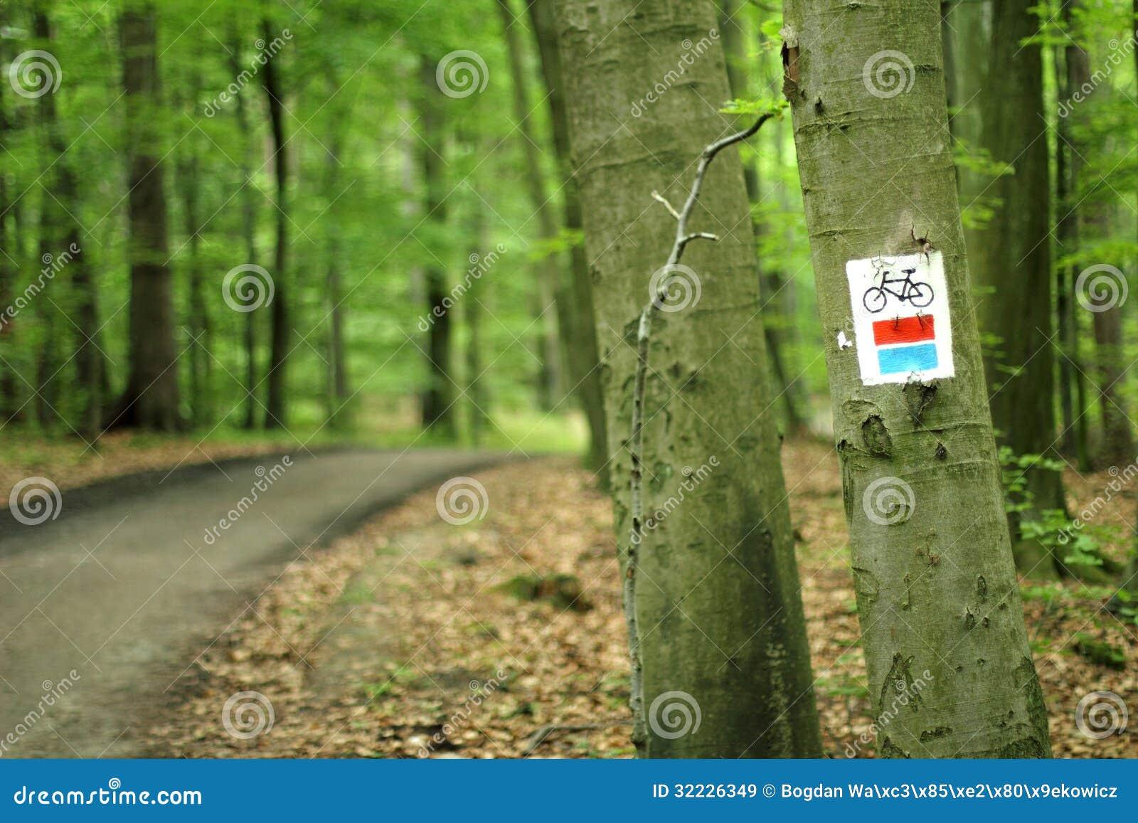 Download Trajeto Da Bicicleta Com Sinal Imagem de Stock - Imagem de rota, ícone: 32226349