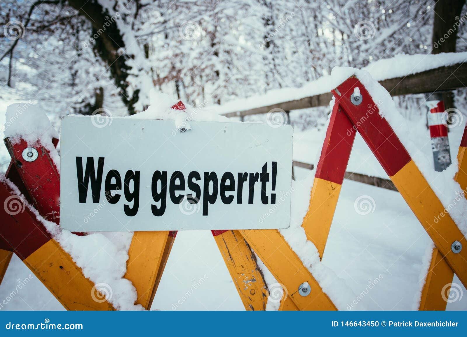 Trajeto de passeio Closed, inverno, perigo dos avalances
