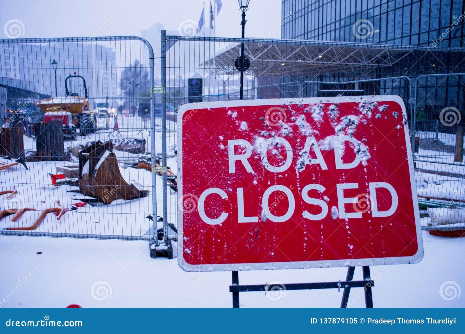 Trajeto fechado estrada do grampo do sinal