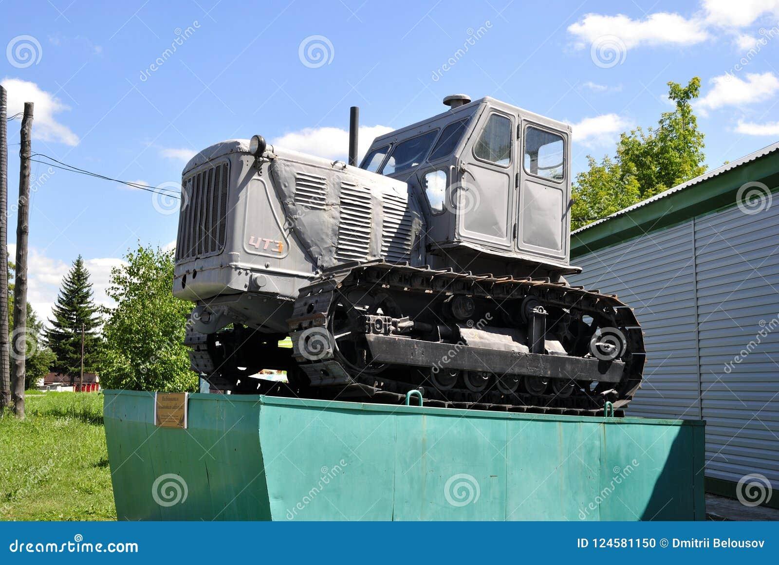 Traktor på en sockel