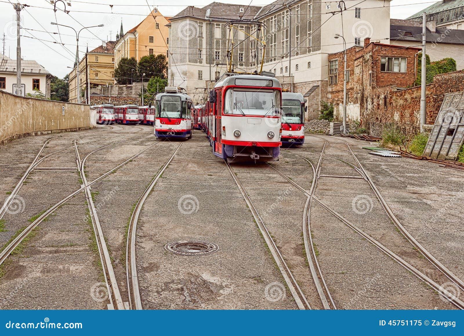 Tram classico in un deposito del tram
