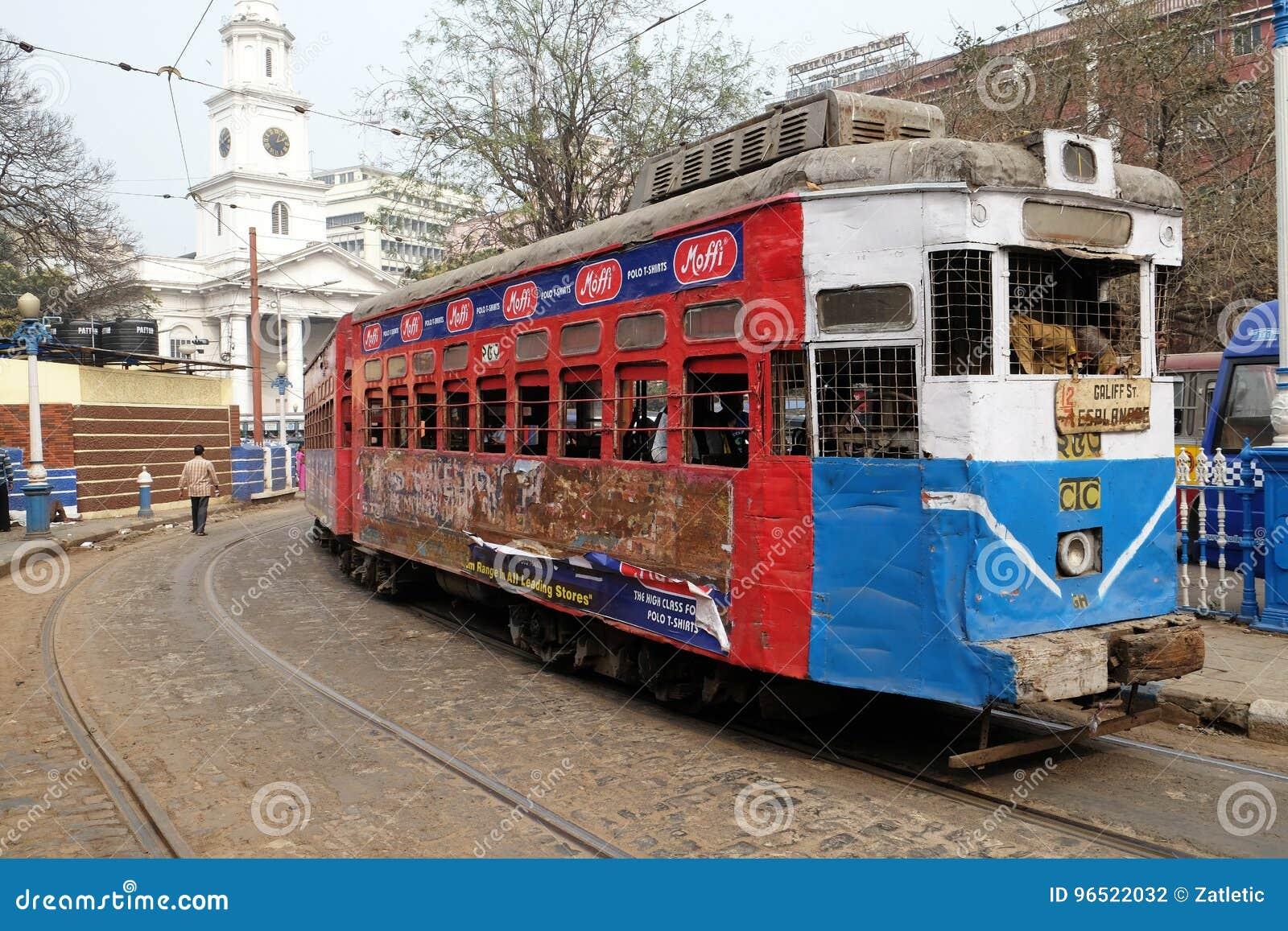 Tram traditionnel dans Kolkata
