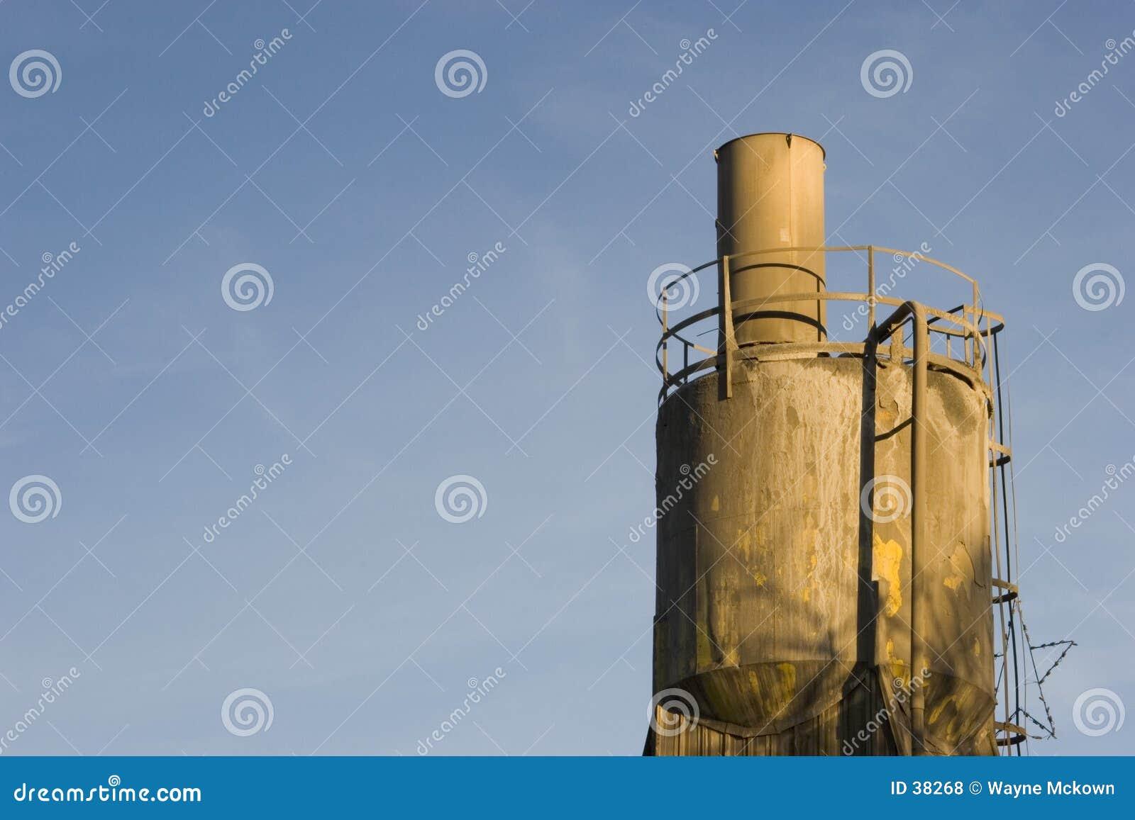 Tramoggia di caricamento della pianta del cemento.