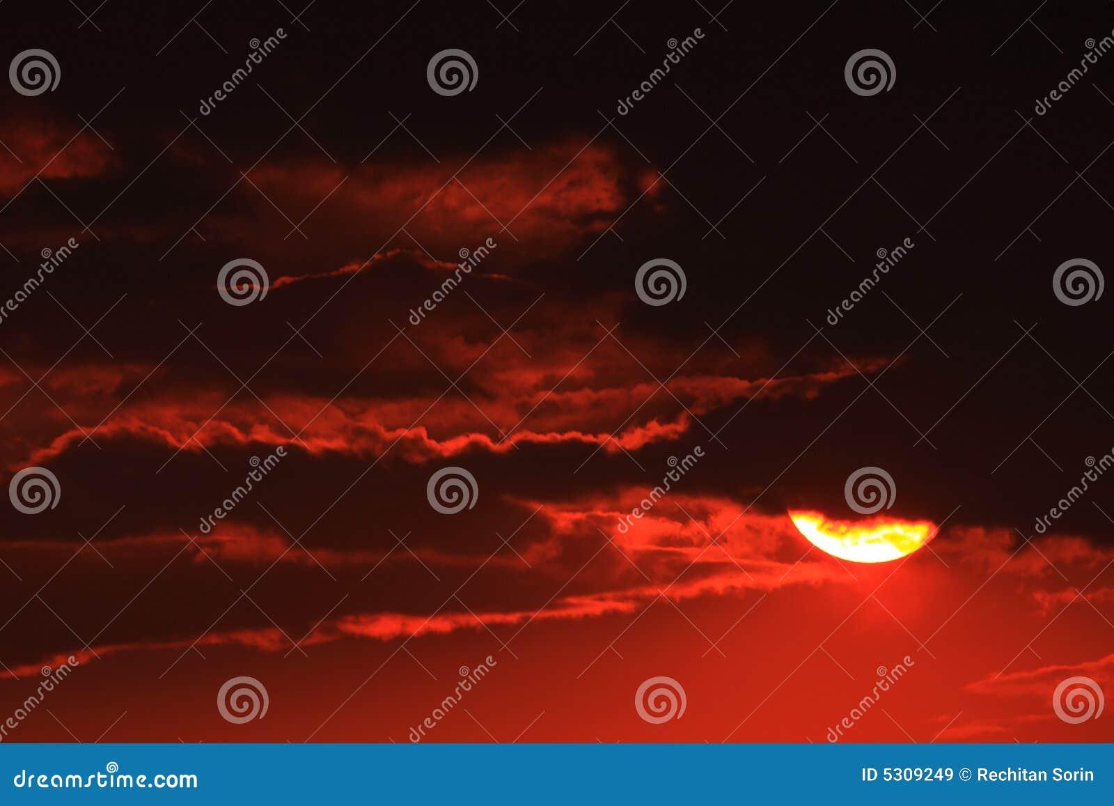 Download Tramonto immagine stock. Immagine di cielo, colore, stormy - 5309249