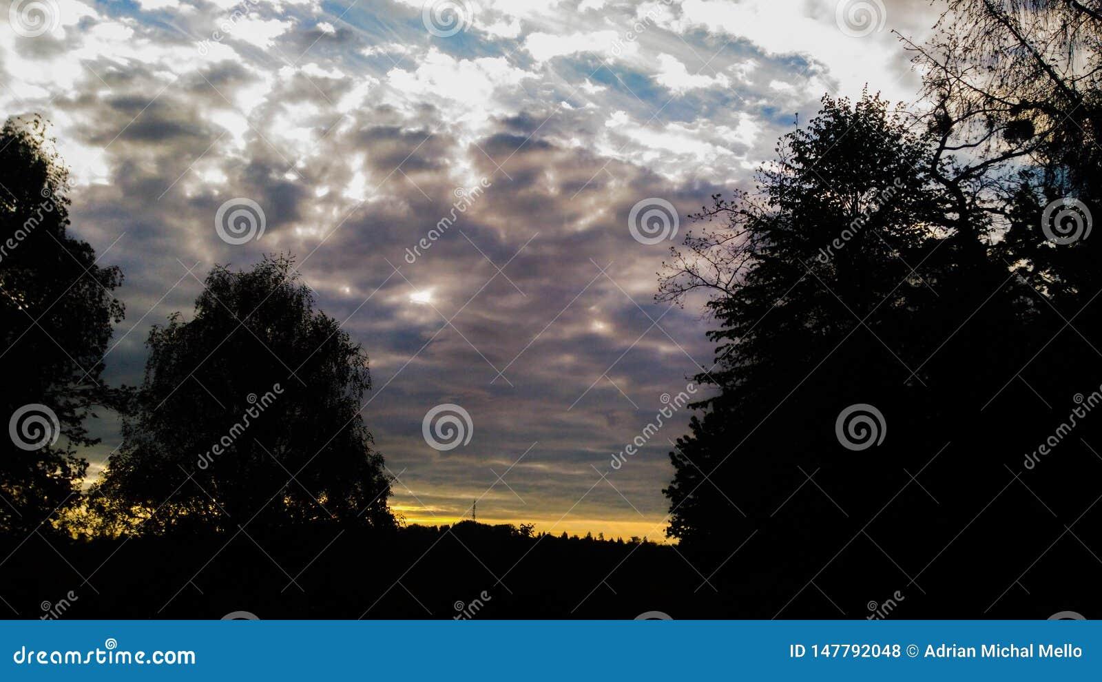 Tramonto con le nubi