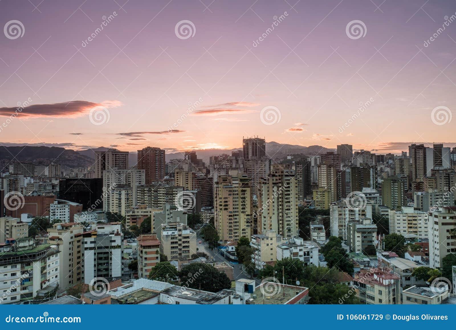 Tramonto di Caracas, vista ad ovest
