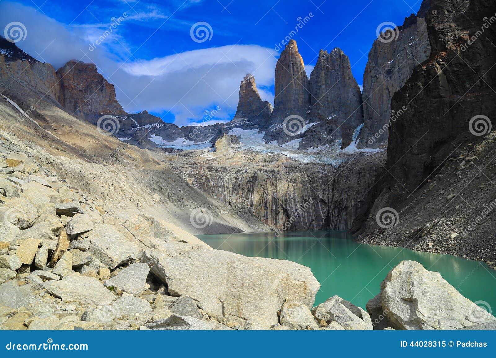 Tramonto nel lago Pehoe, Torres Del Paine, Patagonia, Cile