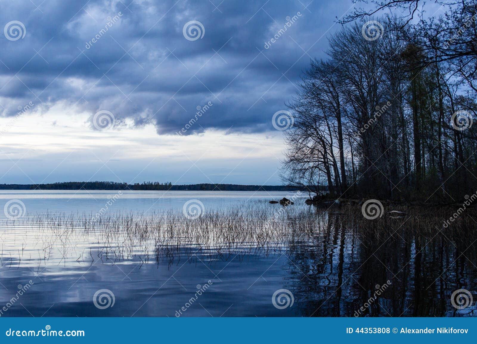 Tramonto nel lago Vuoksa