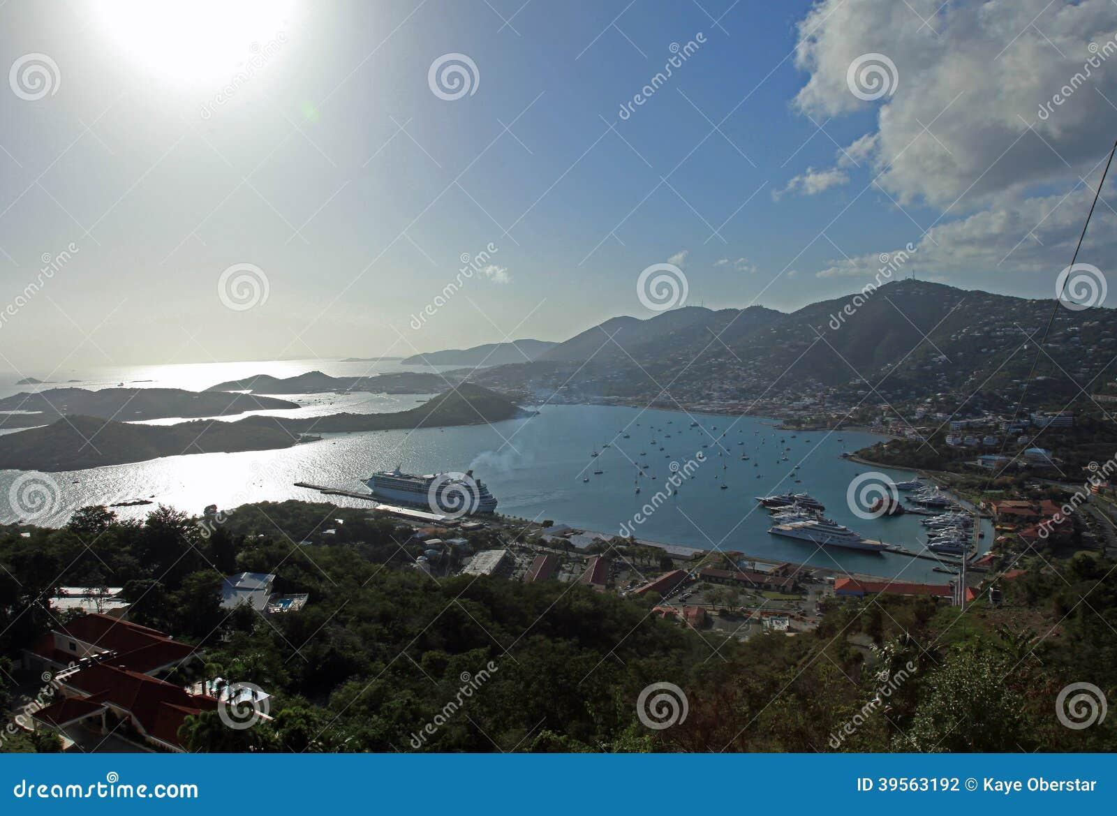 Tramonto sopra Charlotte Amalie a St Thomas