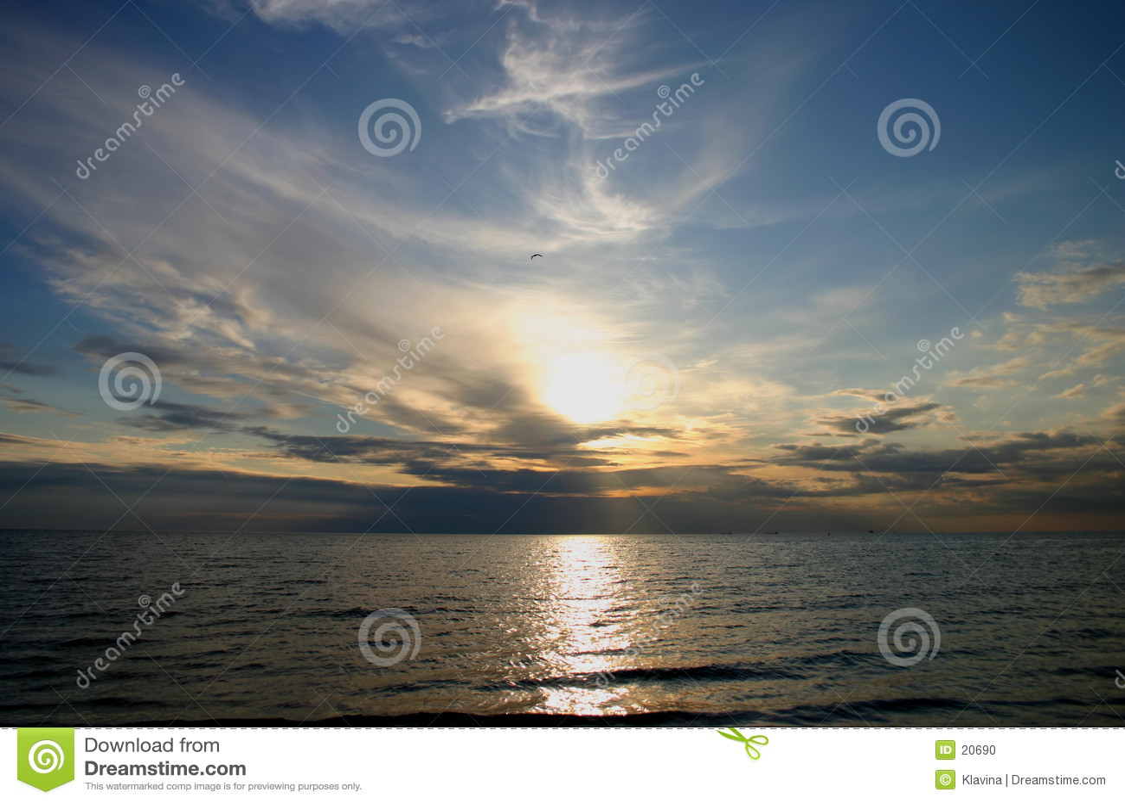 Tramonto sopra il mare