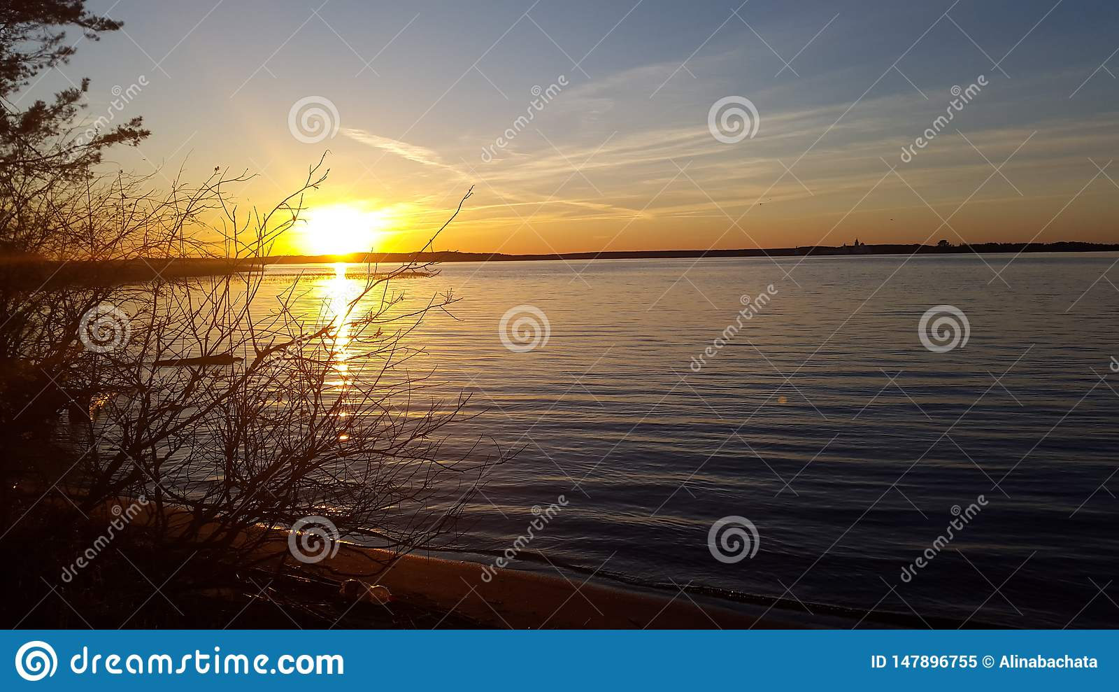 Tramonto sul lago Seliger