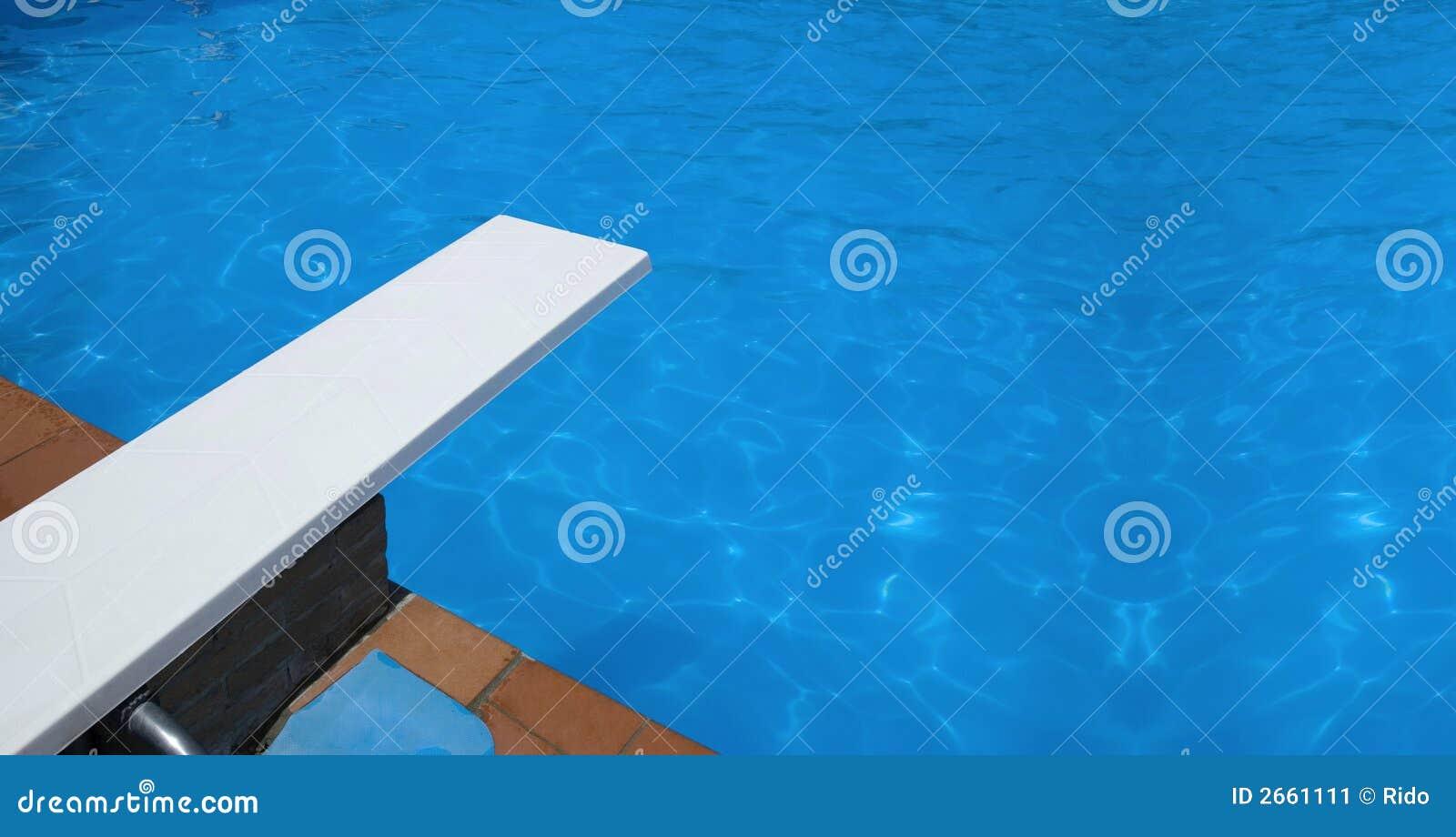 Trampol n de la piscina imagen de archivo imagen 2661111 for Trampolines para piscinas