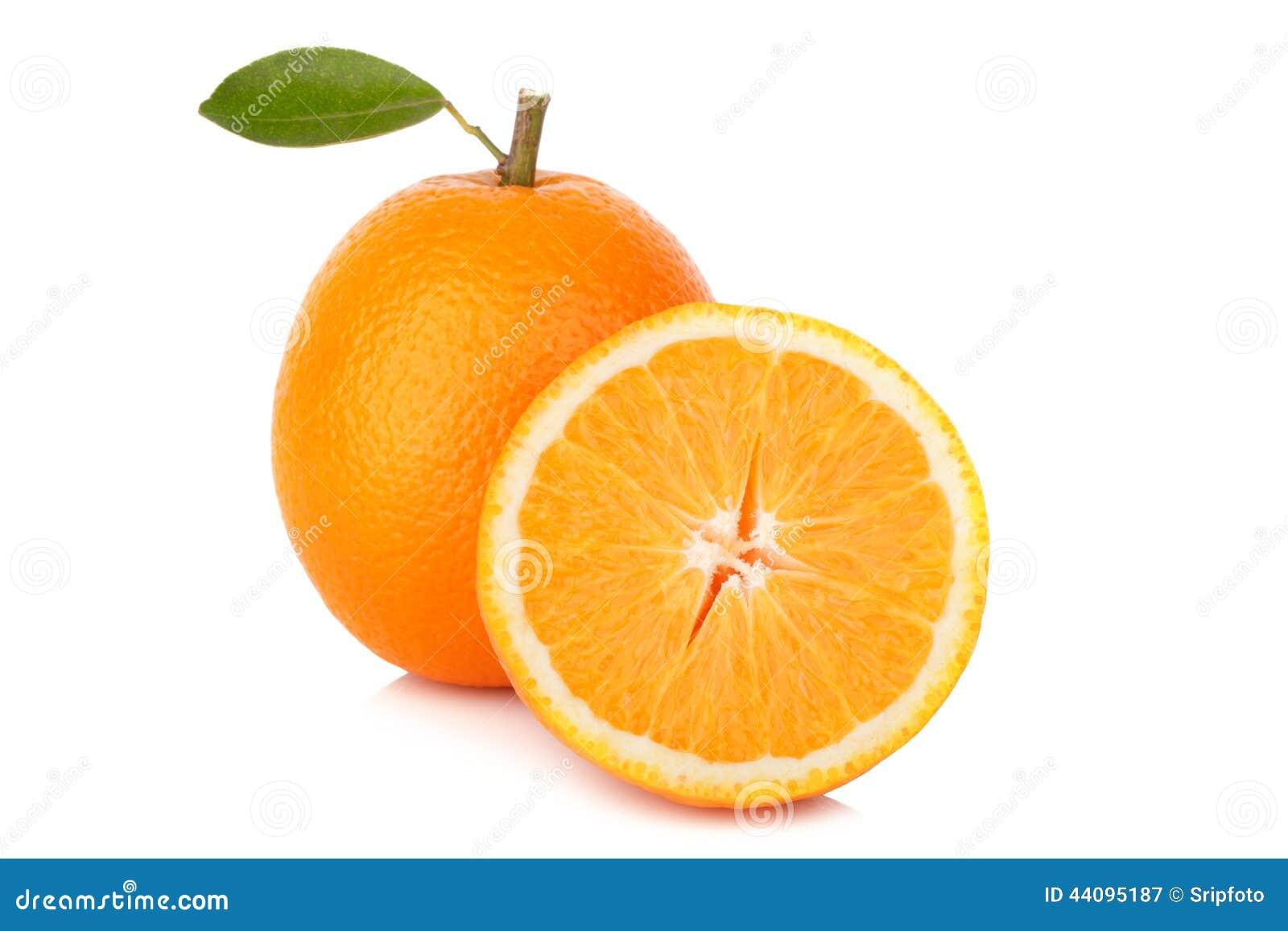 Tranche d orange fraîche d isolement sur le fond blanc