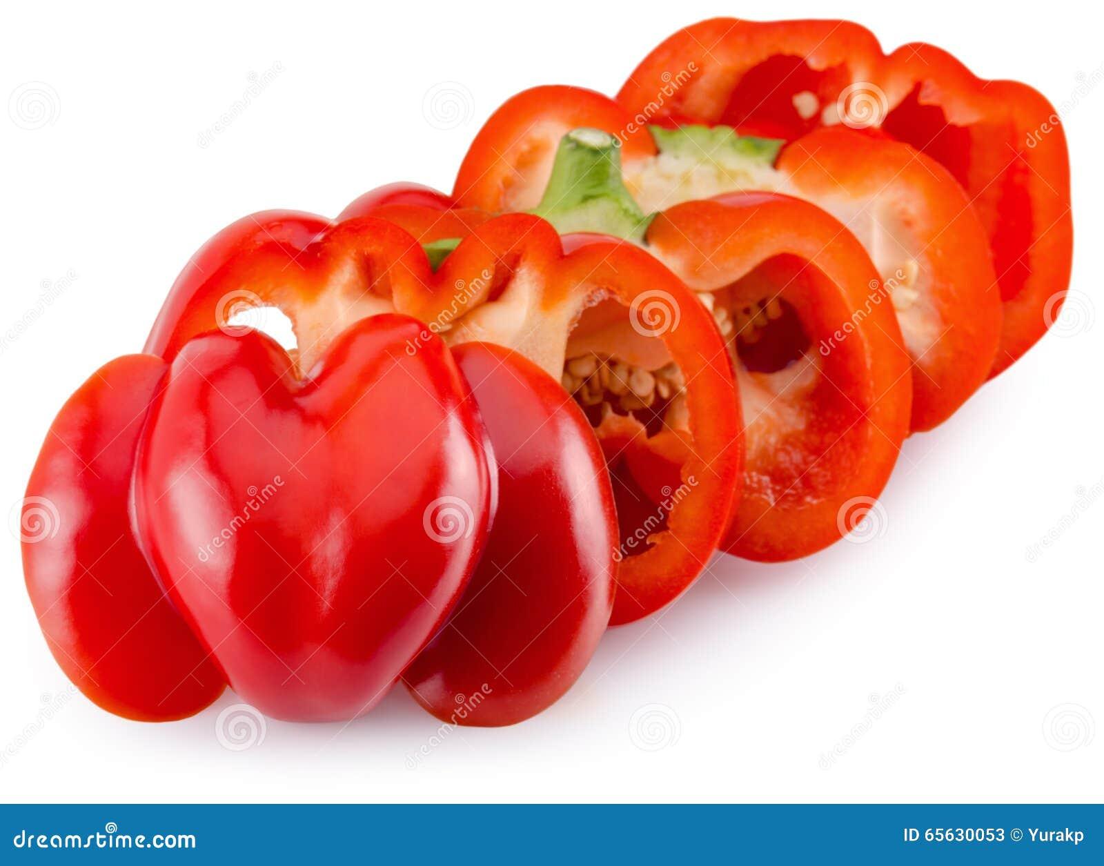 Tranches de poivron rouge d isolement sur le fond blanc